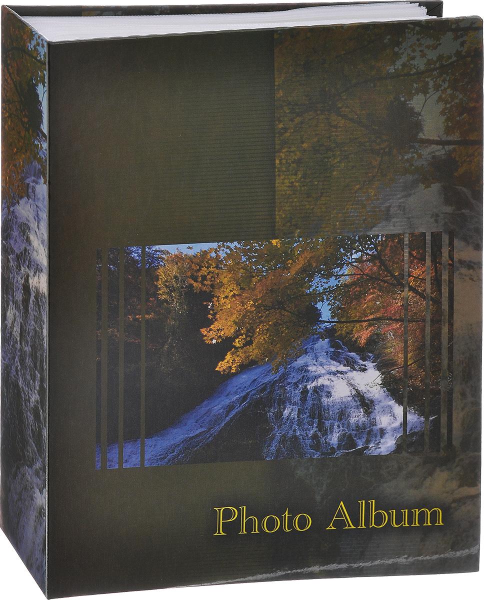 Фотоальбом Big Dog Waterfalls, цвет: темно-зеленый, 200 фотографий, 10 х 15 см 111311134 AV46200_тем. зеленыйФотоальбом Big Dog Waterfalls поможет красиво оформить ваши фотографии. Обложка выполнена из толстого картона. Внутри содержится блок из 50 листов с фиксаторами-окошками из полипропилена. Альбом рассчитан на 200 фотографий формата 10 см х 15 см (по 2 фотографии на странице). Нам всегда так приятно вспоминать о самых счастливых моментах жизни, запечатленных на фотографиях. Поэтому фотоальбом является универсальным подарком к любому празднику. Количество листов: 50.