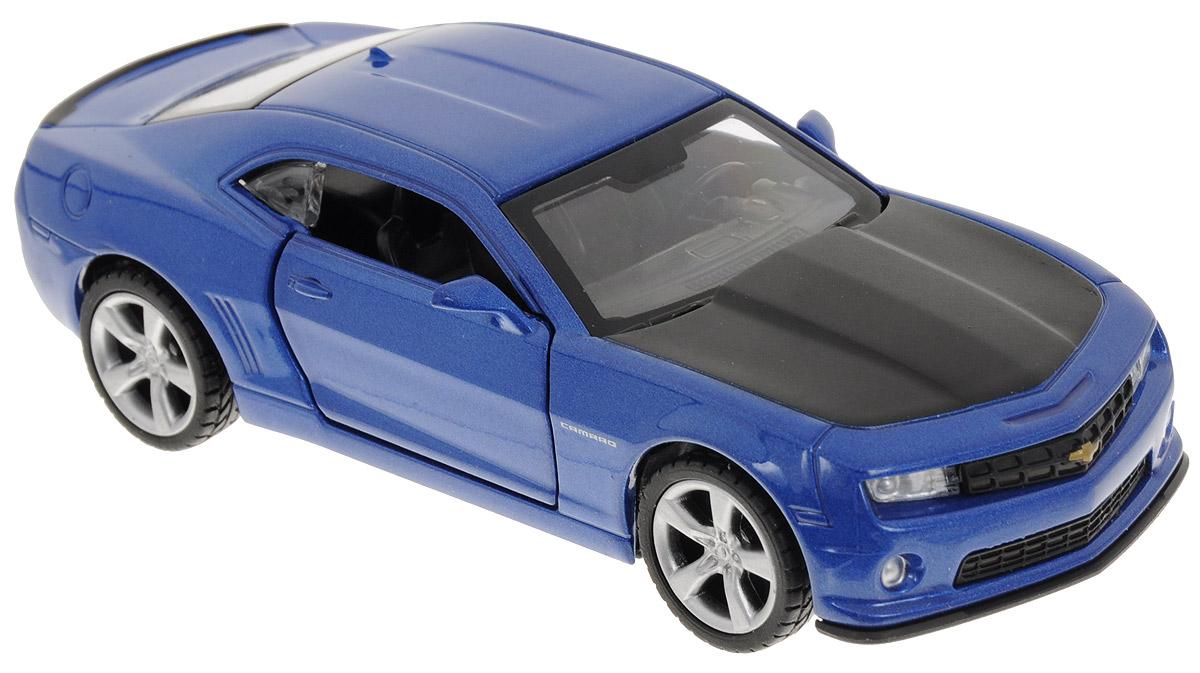 ТехноПарк Модель автомобиля Chevrolet Camaro цвет синий67326_синийКоллекционная модель ТехноПарк Chevrolet Camaro выполнена в масштабе 1:43 и в точности воспроизводит все детали внешнего облика реального великолепного автомобиля, производимого знаменитой маркой Chevrolet. Модель изготовлена из металла с использованием пластика и оборудована открывающимися дверцами и инерционным ходом. Ее необходимо отвести назад, затем отпустить - и она быстро поедет вперед. Коллекционная модель Chevrolet Camaro будет отлично смотреться в качестве оригинального подарка не только любителю автомобилей, но и человеку, ценящему стиль и изысканность, а качество исполнения представит такой подарок в самом лучшем свете.