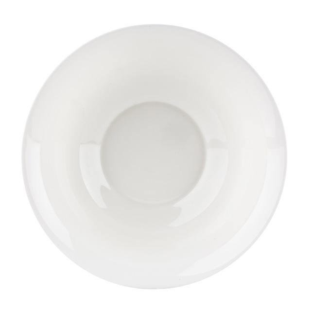 Салатник Luminarc Presidence Bone, диаметр 27 смG6793Салатник Presidence Bone марки Luminarc придется по душе любителям столовой посуды в современном стиле. Элегантность посуды этой серии – в ее простоте. Салатник подойдет для подачи на общий стол салатов, закусок, фруктов и других блюд. Практичный дизайн и современное исполнение делает салатник простым и удобным в эксплуатации. Изготовленный из качественного ударопрочного стекла, устойчивого к царапинам, механическим повреждениям и перепаду температур, салатник надолго сохранит первоначальный внешний вид. Его можно мыть в посудомоечной машине и использовать в микроволновой печи. Диаметр салатника: 27 см.
