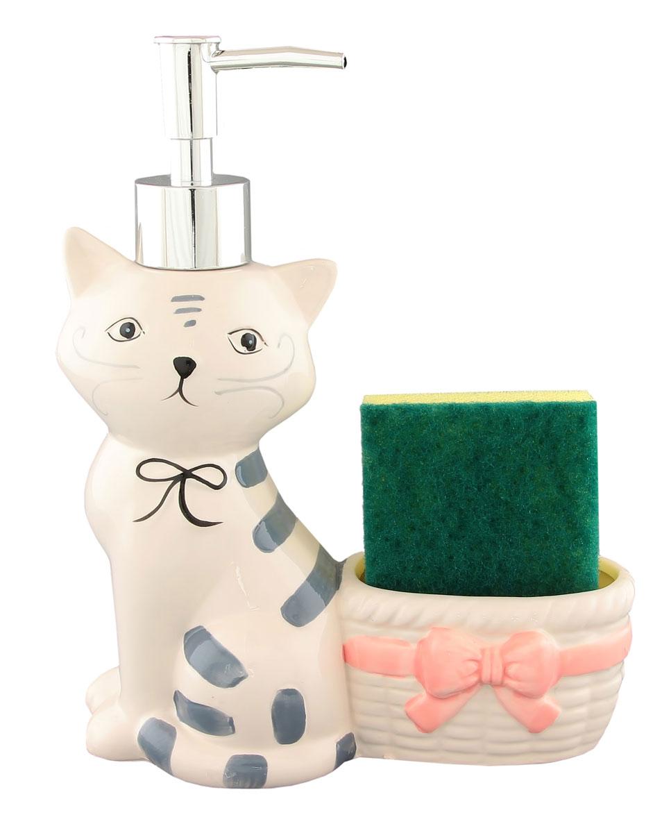 Дозатор для мыла Кот 17*8*21 см. 350 мл. с губкой110799Набор для мытья посуды, состоящий из керамического дозатора в форме симпатичного котика и губки, сохранит порядок и чистоту на Вашей кухни. Очень удобен в использовании.