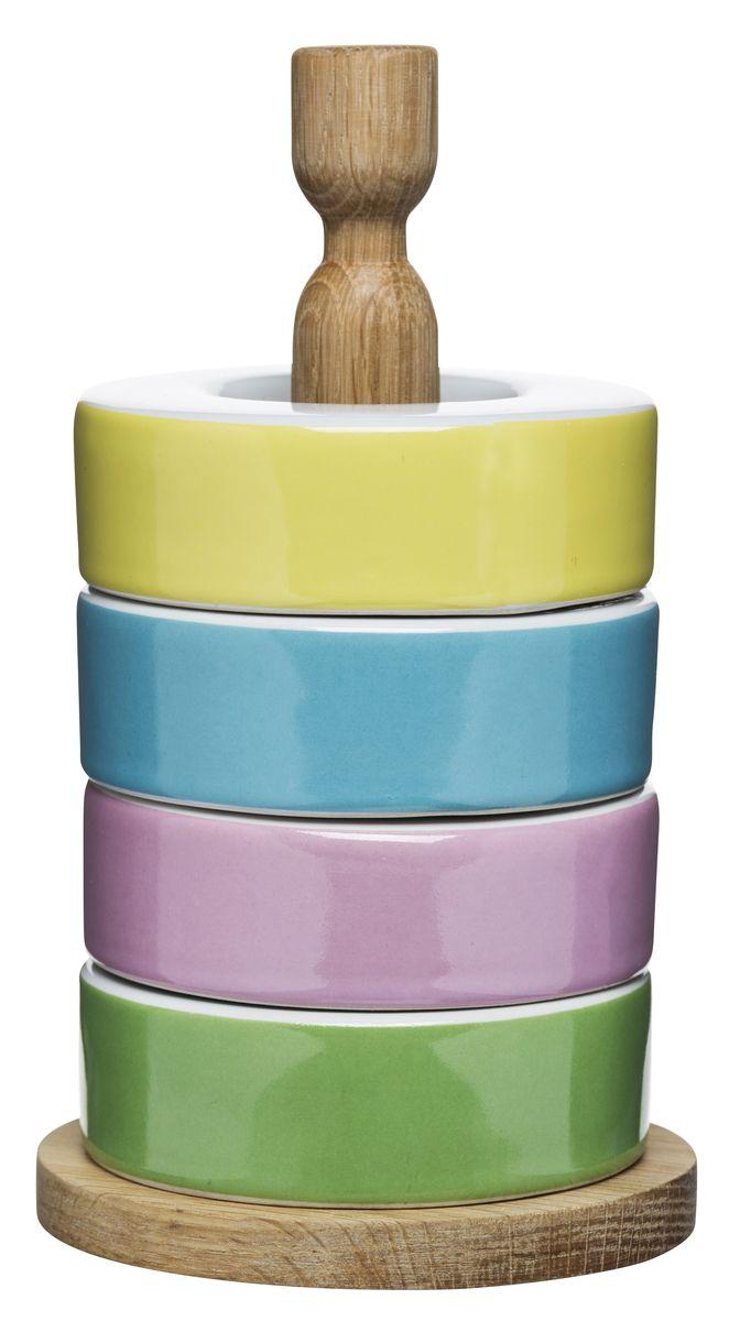 Подставки для яиц - 4 шт.. 50171065017106Подставка для яиц Sagaform уникальна и полезна. С ней вы забудете о маленьких неприятностях, которые порой случаются во время готовки. Комплект состоит из четырех круглых форм (керамика) и деревянной стойки для легкого хранения. Яркие цвета поднимут вам настроение, а, как известно, готовить нужно с удовольствием. Подарите набор друзьям, и они с радостью будут пользоваться им долгие годы. Не проходите мимо и используйте возможность сделать жизнь чуточку ярче!