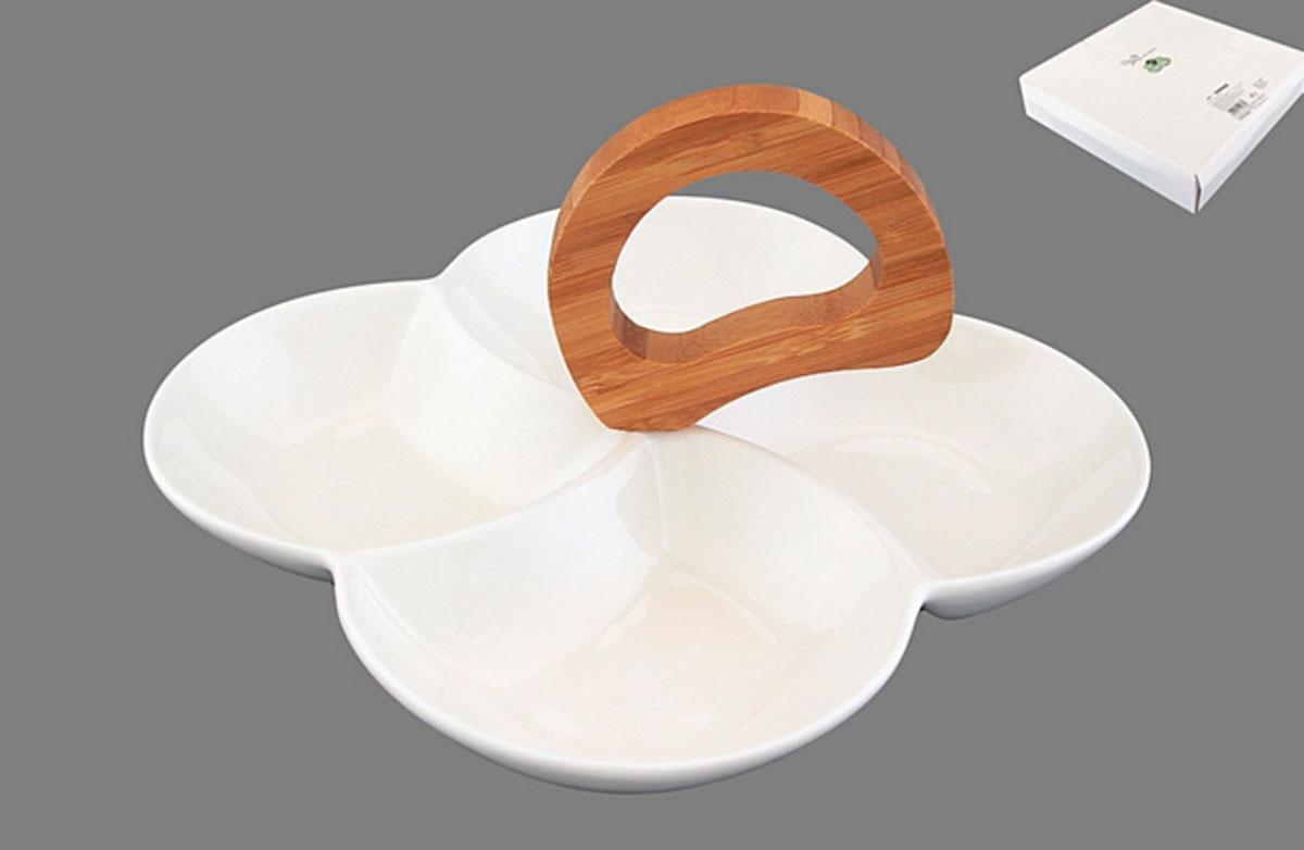 Менажница Айсберг 22*22*14 см. цельная 4 секции с деревянной ручкой540068Сервировочная менажница с бамбуковой ручкой имеет 4 глубоких секции для варенья, снеков или соусов. Изделие упаковано в белую коробку.
