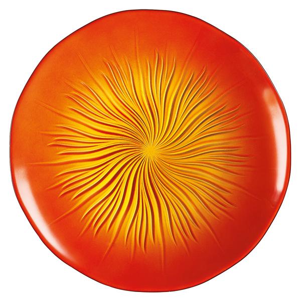 Тарелка десертная Luminarc Soleil Red, диаметр 22 смH8832Десертная тарелка Luminarc Soleil Red, изготовленная из ударопрочного, закаленного стекла, устойчива к резким перепадам температуры. Дно изделия декорировано объемным рельефным узором. Такая тарелка прекрасно подходит как для торжественных случаев, так и для повседневного использования. Идеальна для подачи десертов, пирожных, тортов и многого другого. Она прекрасно оформит стол и станет отличным дополнением к вашей коллекции кухонной посуды. Диаметр тарелки (по верхнему краю): 22 см. Высота тарелки: 2 см.