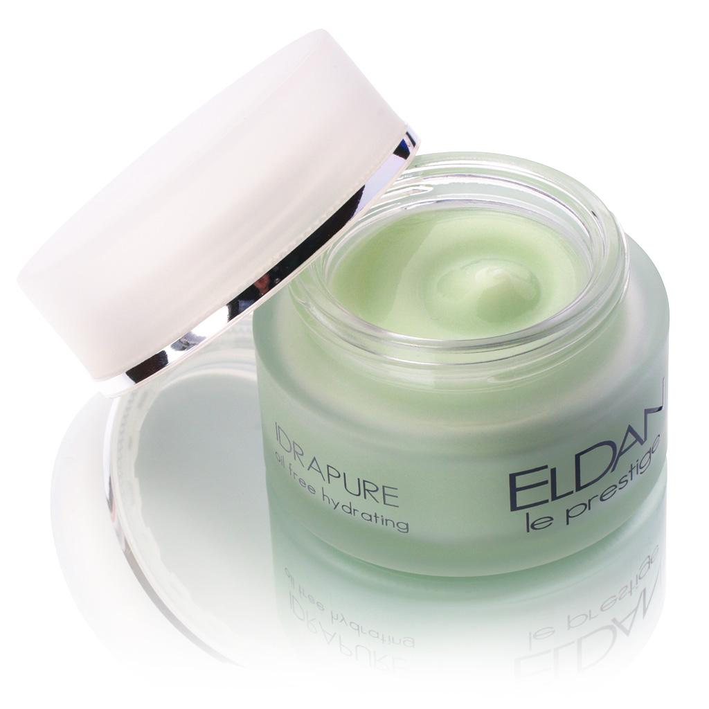 ELDAN cosmetics Очищающий крем для проблемной кожи лица Le Prestige, 50 млELD-132Легкий крем, предназначенный для обезвоженной проблемной кожи. Оказывает антибактериальное, противовоспа-лительное и тонизирующее воздействие. Комплекс ботанических экстрактов шалфея, чабреца и розмарина нейтрализует действие свободных радикалов, усиливает микроциркуляцию, увлажняет, успокаивает кожу и устраняет жирный блеск. Цинк оказывает противовоспалительный, себорегулирующий и поросуживающий эффект. Благодаря своей нежной текстуре крем быстро впитывается и служит прекрасной основой для макияжа