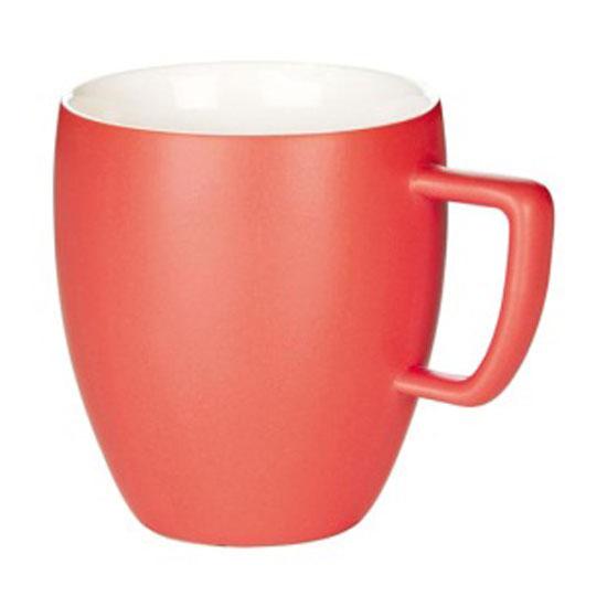 Кружка Tescoma Crema Tone, цвет: красный, 300 мл387146_красныйКружка Tescoma Crema Tone, изготовленная из высококачественного фарфора, прекрасно дополнит интерьер вашей кухни. Изящный дизайн кружки придется по вкусу и ценителям классики, и тем, кто предпочитает утонченность и изысканность. Кружка Tescoma Crema Tone станет хорошим подарком к любому празднику. Диаметр (по верхнему краю): 8 см. Высота: 10 см.