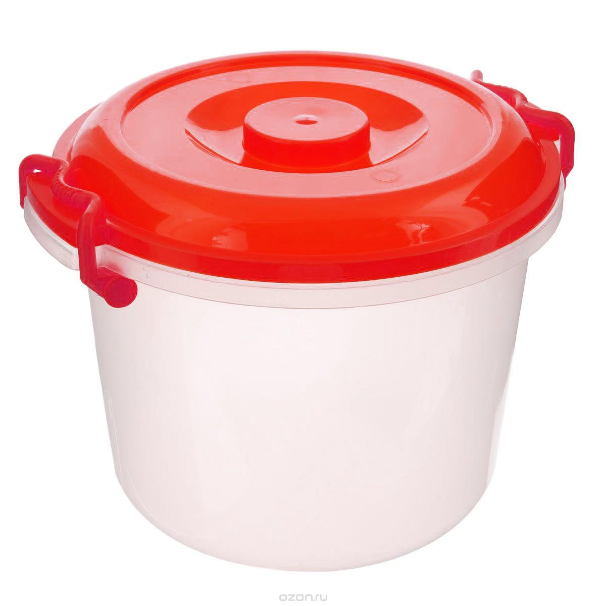 Контейнер Альтернатива, цвет: красный, прозрачный, 8 лM098_красныйКонтейнер Альтернатива изготовлен из высококачественного пищевого пластика. Изделие оснащено крышкой и ручками, которые плотно закрывают контейнер. Также на крышке имеется ручка для удобной переноски. Емкость предназначена для хранения различных бытовых вещей и продуктов. Такой контейнер очень функционален и всегда пригодится на кухне. Диаметр контейнера (по верхнему краю): 25 см. Высота контейнера (без учета крышки): 21 см. Объем: 8 л.
