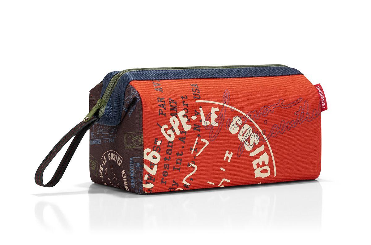 Косметичка жен. Reisenthel Travelcosmetic special edition stamps, цвет: красный. WC7037WC7037Удобная сумочка-косметичка для хранения косметики, маникюрных принадлежностей и других аксессуаров, которые могут вам понадобиться ежедневно или в путешествиях. Металлические скобы в основании делают конструкцию устойчивой даже в трясущемся поезде. Внутри - карман на молнии и три открытых кармашка. Сбоку - удобный ремешок для переноски. Внутренний объем - 4 л. Серия special edition - это лимитированные модели сумок с уникальными принтами. Сочетают расцветки разных коллекций, а также имеют вышивку и аппликацию.