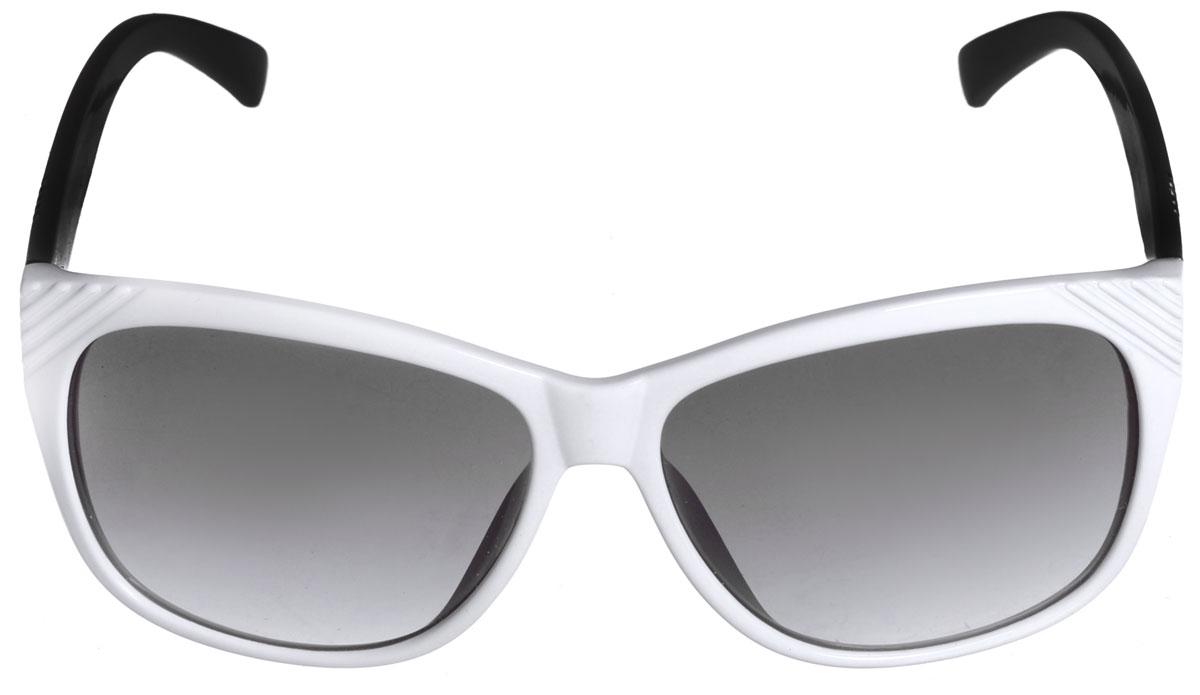 Солнцезащитные очки женские Popular, цвет: черный, белый. P59002P59002Модные и стильные солнцезащитные очки со 100% защитой от ультрафиолетового излучения, выполненные с линзами из высококачественного пластика, подчеркнут вашу индивидуальность и сделают ваш образ завершенным. Используемый пластик не искажает изображение, не подвержен нагреванию и вредному воздействию солнечных лучей. Пластиковая двухцветная оправа очков легкая, прилегающей формы и поэтому не создает никакого дискомфорта. Дужки дополнены оригинальным тиснением в виде нескольких полос. Очки пригодны для использования в нормальных условиях , без чрезмерной нагрузки. Не допускается класть линзы очков на грубые поверхности. Не допускается оставлять очки на прямом солнечном свете при высоких температурах (например, на панели автомобиля). Использовать только оригинальные аксессуары и запасные части. Условия хранения: в футляре при нормальных климатических условиях. Чистка и обслуживание: Для чистки изделия следует использовать теплую воду и...