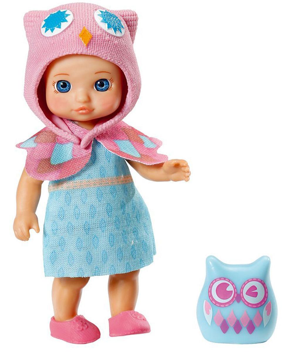 Chou Chou Мини-кукла Ruby920-060_RubyКукла Zapf Creation Mini Chou Chou. Ruby займет внимание вашей малышки и подарит ей множество счастливых мгновений. Кукла изготовлена из пластика, ее голова, ручки и ножки подвижны. Куколка одета в голубое платье с большим воротником, на ногах у нее - тапочки из гибкого пластика, а на голове - шапочка в виде совы. В комплект входит очаровательный питомец-сова для куклы. Благодаря играм с куклой, ваша малышка сможет развить фантазию и любознательность, овладеть навыками общения и научиться ответственности, а дополнительные аксессуары сделают игру еще увлекательнее. Порадуйте свою принцессу таким прекрасным подарком!