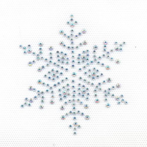 Аппликация из страз Hobby & Pro, цвет: перламутровый, 8 х 8 см ADS0217709425Аппликация Hobby & Pro выполнена из страз в виде снежинки. С помощью нее вы сможете украсить любое текстильное изделие. С такой аппликацией любая вещь станет особенной. Стразы в наборе имеют оригинальный и яркий дизайн. На задней стороне - клейкая поверхность. Изделие закрепляется при помощи утюга.