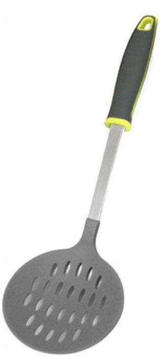 Шумовка МФК-профит Comfort Teflon, длина 36 смMFK01107Шумовка МФК-профит Comfort Teflon изготовлена из нейлона. Удобная ручка, изготовленная из нержавеющей стали и полипропилена, обеспечивает надежный захват благодаря резиновым вставкам. На ручке имеется небольшое отверстие, за которое изделие можно подвесить в любом удобном для вас месте. Практичная и удобная шумовка займет достойное место среди аксессуаров на вашей кухне. Можно мыть в посудомоечной машине. Длина шумовки: 36 см. Диаметр рабочей части шумовки: 11,5 см.