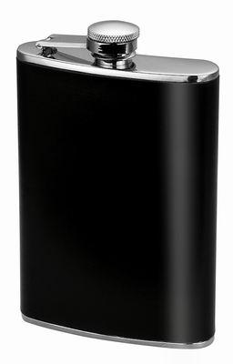 Фляга Calve, карманная, цвет: черный, 230 млCL-1720Карманная фляга Calve изготовлена из нержавеющей стали 18/10 и оформлена вставкой из искусственной кожи. Фляга специально предназначена для хранения алкогольных напитков. Ее нельзя использовать для напитков, содержащих кислоту, таких как сок и сердечные лекарства. Крышка плотно закрывается, предотвращая проливание. Фляга Calve - идеальный подарок для настоящих мужчин. Стильный дизайн, компактность и качество изделия, несомненно, порадуют любого мужчину. Можно мыть в посудомоечной машине. Длина фляги: 9,5 см. Ширина фляги: 2 см. Высота фляги: 13,5 см.