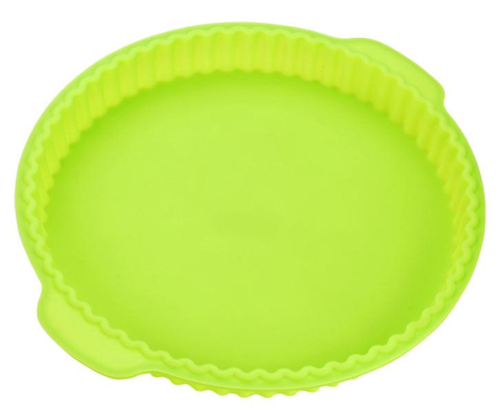 Форма для выпечки Calve, силиконовая, круглая, цвет: салатовый, 31,2 x 28 x 3,5 смCL-4601Форма для выпечки Calve, изготовленная из высококачественного силикона, выдерживающего температуру от -40°C до +230°C. Если вы любите побаловать своих домашних вкусным и ароматным угощением по вашему оригинальному рецепту, то форма Calve как раз то, что вам нужно! Можно использовать в духовом шкафу и микроволновой печи без использования режима гриль. Подходит для морозильной камеры и мытья в посудомоечной машине. Размер формы с учетом ручек: 31,2 x 28 см. Внутренний диаметр формы: 26 см. Высота формы: 3,5 см.