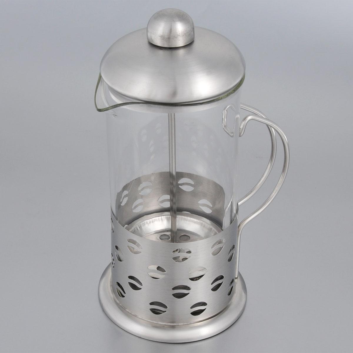 Френч-пресс Bohmann, 600 мл. 9562BH9561BH/NEWФренч-пресс Bohmann используется для заваривания крупнолистового чая, кофе среднего помола, травяных сборов. Изготовлен из высококачественной нержавеющей стали и термостойкого стекла, выдерживающего высокую температуру, что придает ему надежность и долговечность. Френч-пресс Bohmann незаменим для любителей чая и кофе. Можно мыть в посудомоечной машине. Объем: 600 мл. Высота (с учетом крышки): 21 см. Диаметр (по верхнему краю): 9 см.