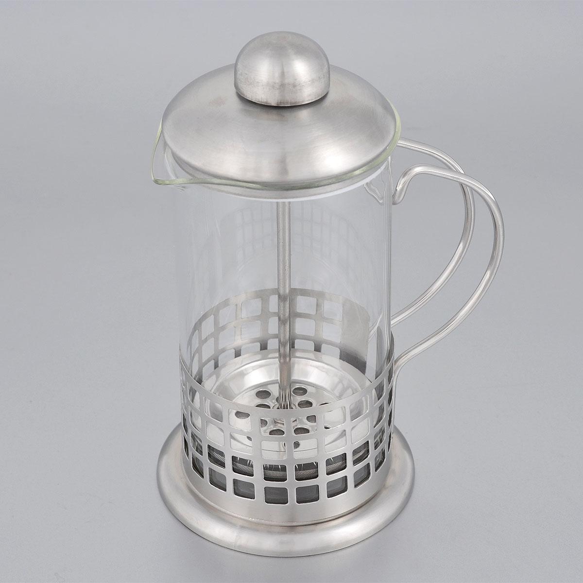 Френч-пресс Bohmann, 350 мл. 9538BH9535BHФренч-пресс Bohmann выполнен из нержавеющей стали и стекла. Отлично подходит для заваривания любых сортов кофе, без проблем справится с любым помолом кофе. Помимо кофе, во френч-прессе можно заварить чай. Наружная крышка из нержавеющей стали. Подходит для использования в посудомоечной машине. Объем: 350 мл. Диаметр (по верхнему краю): 7,5 см Высота: 18 см