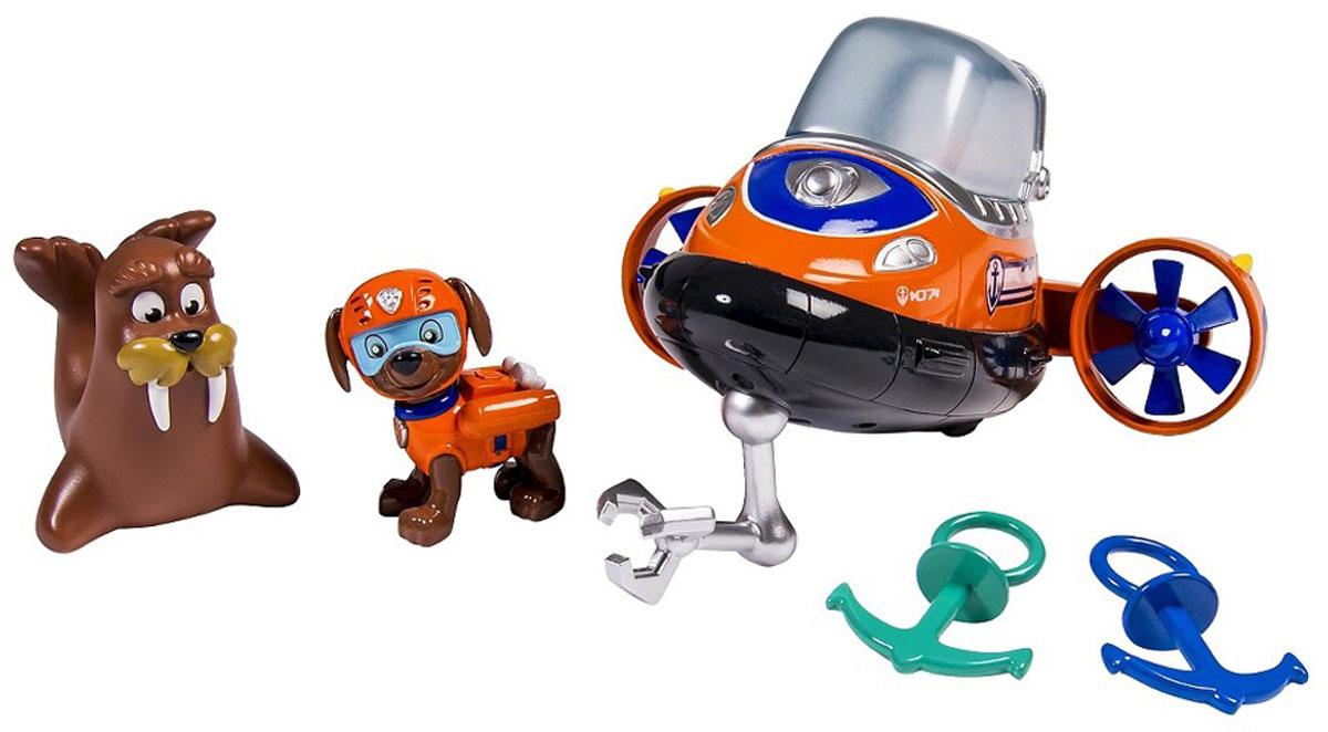 Paw Patrol Игровой набор для ванной Зума и морские приключения16630Игровой набор для ванной Зума и морские приключения, обязательно понравится вашему ребенку, ведь в нем есть все самое необходимое, чтобы разыграть в ванной настоящее морское приключение одного из героев мультфильма Щенячий патруль. Дополнительное разнообразие игре добавит забавная фигурка моржа, которая умеет брызгать струйками воды и яркая подлодка, которой может управлять щенок Зума. Кабина подлодки прозрачная, ее можно поднять и посадить фигурку собачки внутрь. В нижней части субмарины закреплен манипулятор для поднятия грузов со дна. Винты на двигателе лодки вращаются. Фигурки хорошо детализированы и окрашены по подобию своего прототипа из мультика. Фигурки и аксессуары из набора достаточно миниатюрные, поэтому их легко хранить и брать с собой в поездки. Игрушки окрашены устойчивыми к истиранию красителями, поэтому долго сохраняют свой цвет и яркость. Набор изготовлен из пластика высокого качества, безопасного для детей. Игрушка для ванной...