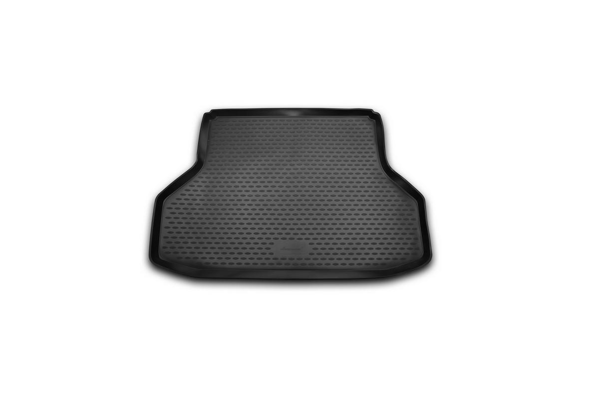 Коврик автомобильный Novline-Autofamily для Daewoo Gentra седан 2013-, в багажникCARDAE10002Автомобильный коврик Novline-Autofamily, изготовленный из полиуретана, позволит вам без особых усилий содержать в чистоте багажный отсек вашего авто и при этом перевозить в нем абсолютно любые грузы. Этот модельный коврик идеально подойдет по размерам багажнику вашего автомобиля. Такой автомобильный коврик гарантированно защитит багажник от грязи, мусора и пыли, которые постоянно скапливаются в этом отсеке. А кроме того, поддон не пропускает влагу. Все это надолго убережет важную часть кузова от износа. Коврик в багажнике сильно упростит для вас уборку. Согласитесь, гораздо проще достать и почистить один коврик, нежели весь багажный отсек. Тем более, что поддон достаточно просто вынимается и вставляется обратно. Мыть коврик для багажника из полиуретана можно любыми чистящими средствами или просто водой. При этом много времени у вас уборка не отнимет, ведь полиуретан устойчив к загрязнениям. Если вам приходится перевозить в багажнике тяжелые грузы,...