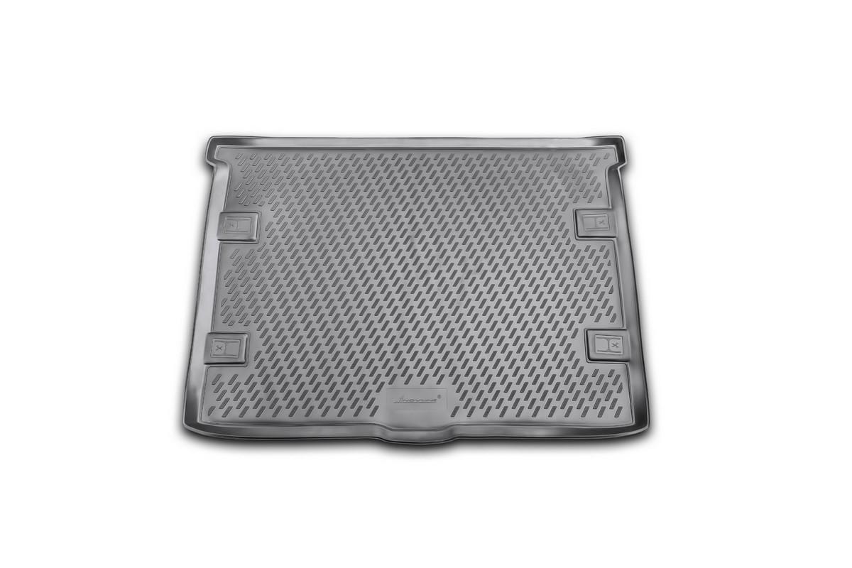 Коврик автомобильный Novline-Autofamily для Jeep Cherokee внедорожник 2008-, в багажникCARJEP00002Автомобильный коврик Novline-Autofamily, изготовленный из полиуретана, позволит вам без особых усилий содержать в чистоте багажный отсек вашего авто и при этом перевозить в нем абсолютно любые грузы. Этот модельный коврик идеально подойдет по размерам багажнику вашего автомобиля. Такой автомобильный коврик гарантированно защитит багажник от грязи, мусора и пыли, которые постоянно скапливаются в этом отсеке. А кроме того, поддон не пропускает влагу. Все это надолго убережет важную часть кузова от износа. Коврик в багажнике сильно упростит для вас уборку. Согласитесь, гораздо проще достать и почистить один коврик, нежели весь багажный отсек. Тем более, что поддон достаточно просто вынимается и вставляется обратно. Мыть коврик для багажника из полиуретана можно любыми чистящими средствами или просто водой. При этом много времени у вас уборка не отнимет, ведь полиуретан устойчив к загрязнениям. Если вам приходится перевозить в багажнике тяжелые грузы,...