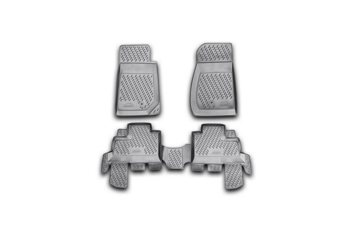 Набор автомобильных ковриков Novline-Autofamily для Jeep Wrangler 4 doors 2007-, в салон, 4 штCARJEP00007Набор автомобильных ковриков Novline-Autofamily, изготовленный из полиуретана, состоит из 4 ковриков, которые учитывают все особенности каждой модели автомобиля и полностью повторяют контуры пола. Полиуретановые автомобильные коврики для салона произведены из высококачественного материала, который держит форму, прочный и не пачкает обувь. Коврики в салон не только улучшат внешний вид салона вашего автомобиля, но и надежно уберегут его от пыли, грязи и сырости, а значит, защитят кузов от коррозии. Полиуретановые коврики для автомобиля гладкие, приятные и не пропускают влагу. Ковры для автомобилей надежно крепятся на полу и не скользят, что очень важно во время движения. Чистятся коврики очень просто: как при помощи автомобильного пылесоса, так и различными моющими средствами. Набор подходит для Jeep Wrangler 4 doors с 2007 года выпуска.