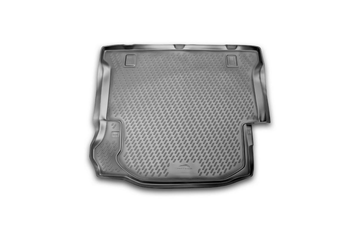 Коврик в багажник автомобиля Novline-Autofamily для Jeep Wrangler 4 doors, 2007 -CARJEP00008Автомобильный коврик в багажник позволит вам без особых усилий содержать в чистоте багажный отсек вашего авто и при этом перевозить в нем абсолютно любые грузы. Этот модельный коврик идеально подойдет по размерам багажнику вашего авто. Такой автомобильный коврик гарантированно защитит багажник вашего автомобиля от грязи, мусора и пыли, которые постоянно скапливаются в этом отсеке. А кроме того, поддон не пропускает влагу. Все это надолго убережет важную часть кузова от износа. Коврик в багажнике сильно упростит для вас уборку. Согласитесь, гораздо проще достать и почистить один коврик, нежели весь багажный отсек. Тем более, что поддон достаточно просто вынимается и вставляется обратно. Мыть коврик для багажника из полиуретана можно любыми чистящими средствами или просто водой. При этом много времени у вас уборка не отнимет, ведь полиуретан устойчив к загрязнениям. Если вам приходится перевозить в багажнике тяжелые грузы, за сохранность автоковрика можете не беспокоиться. Он...
