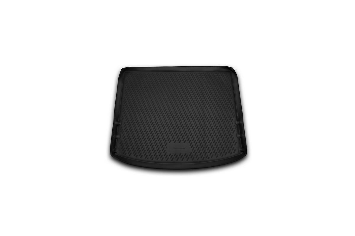 Коврик автомобильный Novline-Autofamily для Mazda 3 хэтчбек 2013-, в багажникCARMZD00048Автомобильный коврик Novline-Autofamily, изготовленный из полиуретана, позволит вам без особых усилий содержать в чистоте багажный отсек вашего авто и при этом перевозить в нем абсолютно любые грузы. Этот модельный коврик идеально подойдет по размерам багажнику вашего автомобиля. Такой автомобильный коврик гарантированно защитит багажник от грязи, мусора и пыли, которые постоянно скапливаются в этом отсеке. А кроме того, поддон не пропускает влагу. Все это надолго убережет важную часть кузова от износа. Коврик в багажнике сильно упростит для вас уборку. Согласитесь, гораздо проще достать и почистить один коврик, нежели весь багажный отсек. Тем более, что поддон достаточно просто вынимается и вставляется обратно. Мыть коврик для багажника из полиуретана можно любыми чистящими средствами или просто водой. При этом много времени у вас уборка не отнимет, ведь полиуретан устойчив к загрязнениям. Если вам приходится перевозить в багажнике тяжелые грузы,...
