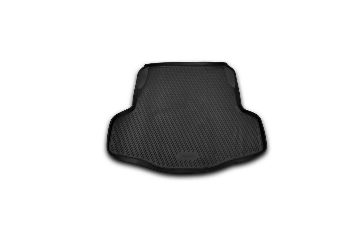 Коврик автомобильный Novline-Autofamily для Nissan Teana II седан 2008-2014, в багажник. CARNIS00024CARNIS00024Автомобильный коврик Novline-Autofamily, изготовленный из полиуретана, позволит вам без особых усилий содержать в чистоте багажный отсек вашего авто и при этом перевозить в нем абсолютно любые грузы. Этот модельный коврик идеально подойдет по размерам багажнику вашего автомобиля. Такой автомобильный коврик гарантированно защитит багажник от грязи, мусора и пыли, которые постоянно скапливаются в этом отсеке. А кроме того, поддон не пропускает влагу. Все это надолго убережет важную часть кузова от износа. Коврик в багажнике сильно упростит для вас уборку. Согласитесь, гораздо проще достать и почистить один коврик, нежели весь багажный отсек. Тем более, что поддон достаточно просто вынимается и вставляется обратно. Мыть коврик для багажника из полиуретана можно любыми чистящими средствами или просто водой. При этом много времени у вас уборка не отнимет, ведь полиуретан устойчив к загрязнениям. Если вам приходится перевозить в багажнике тяжелые грузы,...