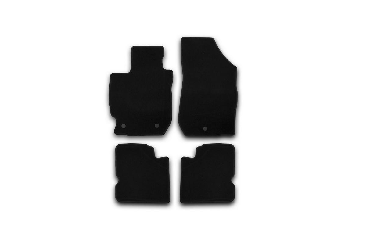Набор автомобильных ковриков Klever для Nissan Almera АКПП 2012-, седан, в салон, 4 шт. KVR01364001200kKVR01364001200kНабор автомобильных ковриков Klever, изготовленный из текстиля, состоит из 4 ковриков, которые учитывают все особенности каждой модели автомобиля и полностью повторяют контуры пола. Текстильные автомобильные коврики для салона произведены из высококачественного материала, который держит форму, прочный и не пачкает обувь. Коврики в салон не только улучшат внешний вид салона вашего автомобиля, но и надежно уберегут его от пыли, грязи и сырости, а значит, защитят кузов от коррозии. Текстильные коврики для автомобиля мягкие и приятные, а их основа из вспененного полиуретана не пропускает влагу. Ковры для автомобилей надежно крепятся на полу и не скользят, что очень важно во время движения. Чистятся коврики очень просто: как при помощи автомобильного пылесоса, так и различными моющими средствами. Набор подходит для Nissan Almera АКПП седан с 2012 года выпуска.