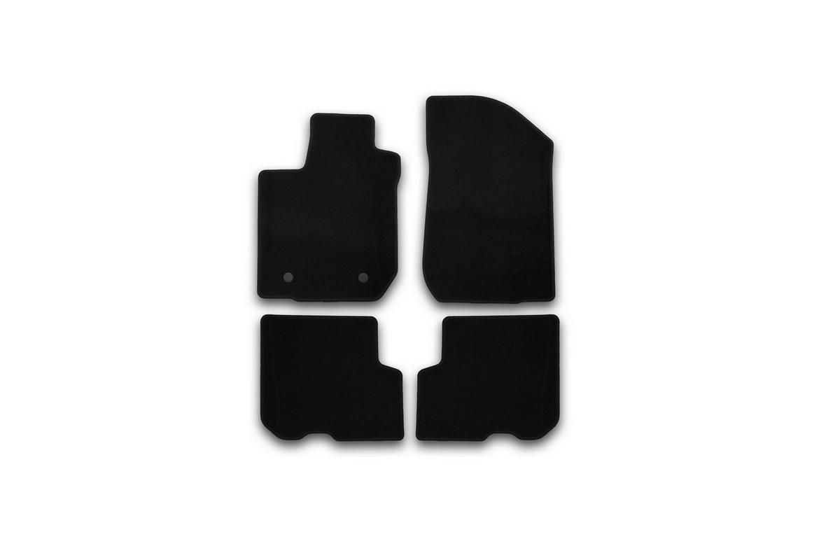 Набор автомобильных ковриков Klever для Renault Logan 2014-, седан, в салон, 4 штKVR01413101200kНабор автомобильных ковриков Klever, изготовленный из текстиля, состоит из 4 ковриков, которые учитывают все особенности каждой модели автомобиля и полностью повторяют контуры пола. Текстильные автомобильные коврики для салона произведены из высококачественного материала, который держит форму, прочный и не пачкает обувь. Коврики в салон не только улучшат внешний вид салона вашего автомобиля, но и надежно уберегут его от пыли, грязи и сырости, а значит, защитят кузов от коррозии. Текстильные коврики для автомобиля мягкие и приятные, а их основа из вспененного полиуретана не пропускает влагу. Ковры для автомобилей надежно крепятся на полу и не скользят, что очень важно во время движения. Чистятся коврики очень просто: как при помощи автомобильного пылесоса, так и различными моющими средствами. Набор подходит для Renault Logan седан с 2014 года выпуска.