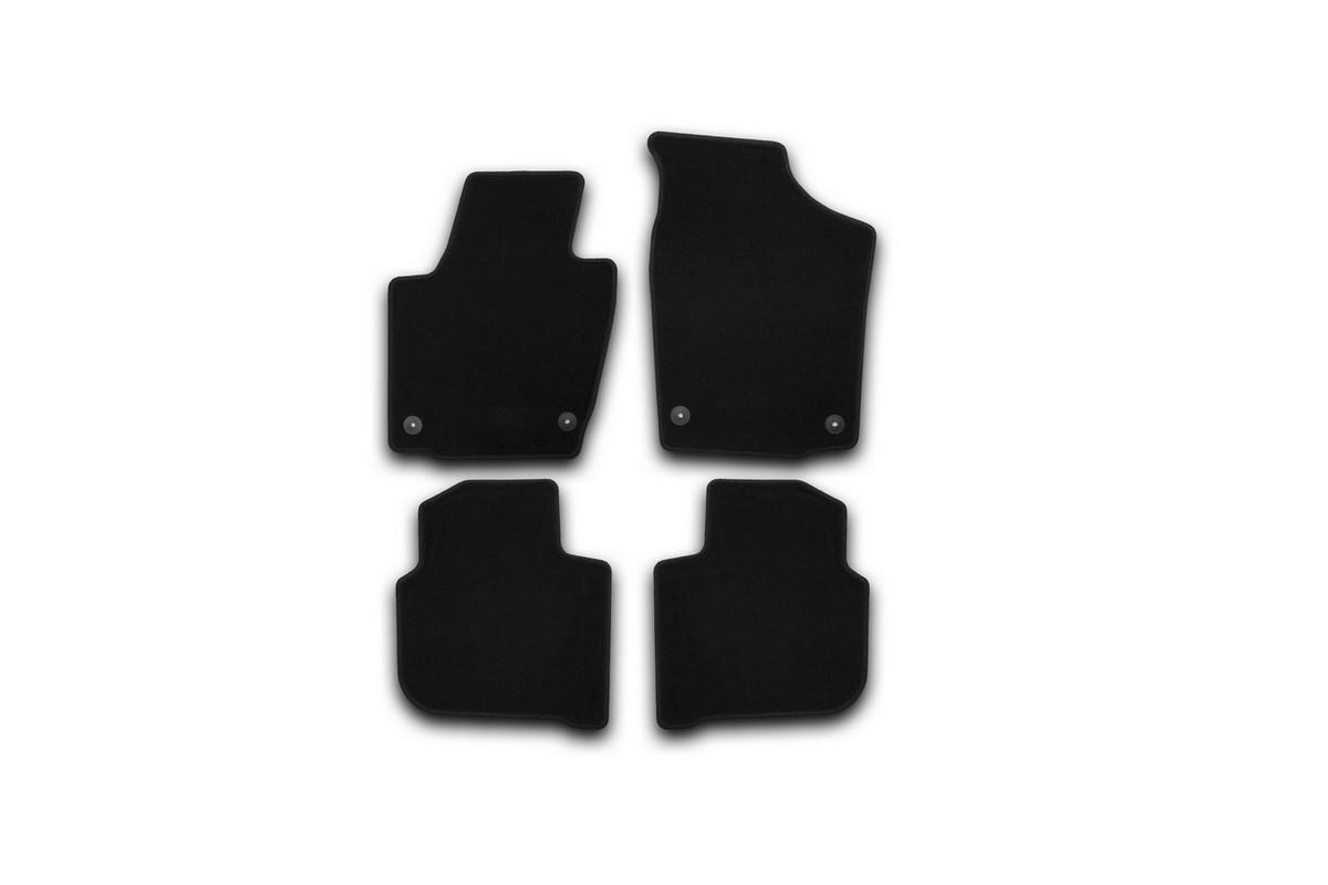 Набор автомобильных ковриков Klever для Skoda Rapid 2012-, седан, в салон, 4 штKVR01451701200kНабор автомобильных ковриков Klever, изготовленный из текстиля, состоит из 4 ковриков, которые учитывают все особенности каждой модели автомобиля и полностью повторяют контуры пола. Текстильные автомобильные коврики для салона произведены из высококачественного материала, который держит форму, прочный и не пачкает обувь. Коврики в салон не только улучшат внешний вид салона вашего автомобиля, но и надежно уберегут его от пыли, грязи и сырости, а значит, защитят кузов от коррозии. Текстильные коврики для автомобиля мягкие и приятные, а их основа из вспененного полиуретана не пропускает влагу. Ковры для автомобилей надежно крепятся на полу и не скользят, что очень важно во время движения. Чистятся коврики очень просто: как при помощи автомобильного пылесоса, так и различными моющими средствами. Набор подходит для Skoda Rapid седан с 2012 года выпуска.