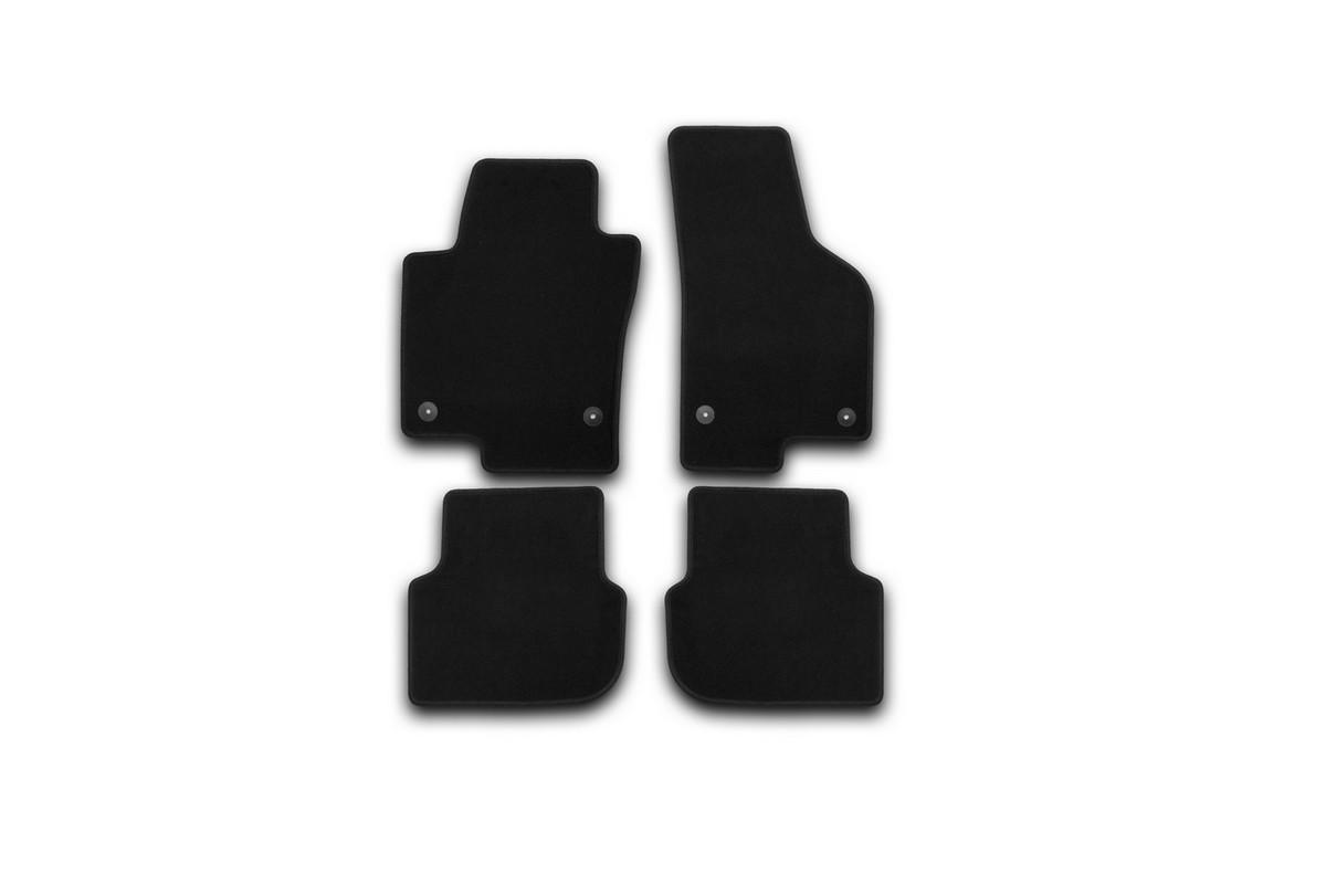 Набор автомобильных ковриков Klever для Volkswagen Jetta 2011-, седан, в салон, 4 шт. KVR01513801200kKVR01513801200kНабор автомобильных ковриков Klever, изготовленный из текстиля, состоит из 4 ковриков, которые учитывают все особенности каждой модели автомобиля и полностью повторяют контуры пола. Текстильные автомобильные коврики для салона произведены из высококачественного материала, который держит форму, прочный и не пачкает обувь. Коврики в салон не только улучшат внешний вид салона вашего автомобиля, но и надежно уберегут его от пыли, грязи и сырости, а значит, защитят кузов от коррозии. Текстильные коврики для автомобиля мягкие и приятные, а их основа из вспененного полиуретана не пропускает влагу. Ковры для автомобилей надежно крепятся на полу и не скользят, что очень важно во время движения. Чистятся коврики очень просто: как при помощи автомобильного пылесоса, так и различными моющими средствами. Набор подходит для Volkswagen Jetta седан с 2011 года выпуска.