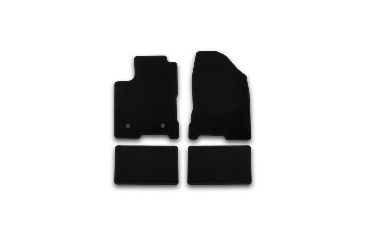 Набор автомобильных ковриков Klever для Lada Vesta 2015-, седан, в салон, 4 шт. KVR01523301200kKVR01523301200kНабор автомобильных ковриков Klever, изготовленный из текстиля, состоит из 4 ковриков, которые учитывают все особенности каждой модели автомобиля и полностью повторяют контуры пола. Текстильные автомобильные коврики для салона произведены из высококачественного материала, который держит форму, прочный и не пачкает обувь. Коврики в салон не только улучшат внешний вид салона вашего автомобиля, но и надежно уберегут его от пыли, грязи и сырости, а значит, защитят кузов от коррозии. Текстильные коврики для автомобиля мягкие и приятные, а их основа из вспененного полиуретана не пропускает влагу. Ковры для автомобилей надежно крепятся на полу и не скользят, что очень важно во время движения. Чистятся коврики очень просто: как при помощи автомобильного пылесоса, так и различными моющими средствами. Набор подходит для Lada Vesta седан с 2015 года выпуска.