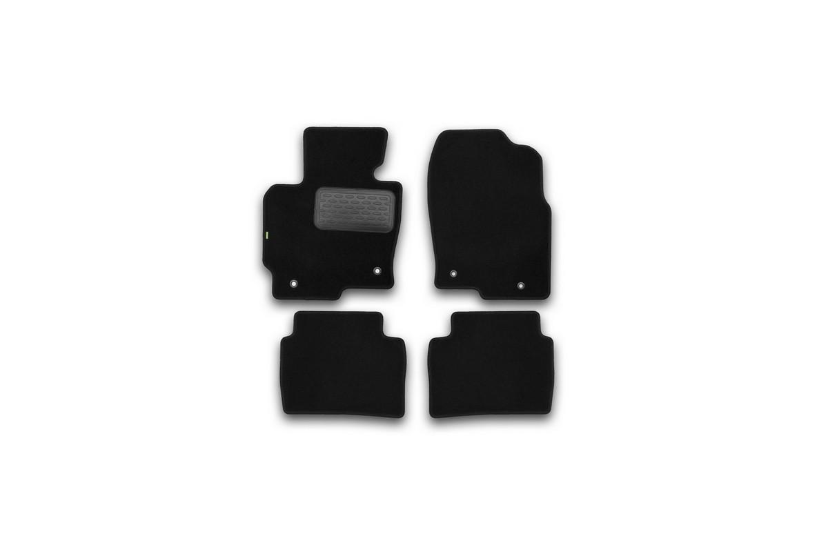 Набор автомобильных ковриков Klever для Mazda CX5 АКПП 2011-, внедорожник, в салон, 4 шт. KVR02332201210khKVR02332201210khНабор автомобильных ковриков Klever, изготовленный из текстиля, состоит из 4 ковриков, которые учитывают все особенности каждой модели автомобиля и полностью повторяют контуры пола. Текстильные автомобильные коврики для салона произведены из высококачественного материала, который держит форму, прочный и не пачкает обувь. Коврики в салон не только улучшат внешний вид салона вашего автомобиля, но и надежно уберегут его от пыли, грязи и сырости, а значит, защитят кузов от коррозии. Текстильные коврики для автомобиля мягкие и приятные, а их основа из вспененного полиуретана не пропускает влагу. Ковры для автомобилей надежно крепятся на полу и не скользят, что очень важно во время движения. Чистятся коврики очень просто: как при помощи автомобильного пылесоса, так и различными моющими средствами. Набор подходит для Mazda CX5 АКПП внедорожник с 2011 года выпуска.