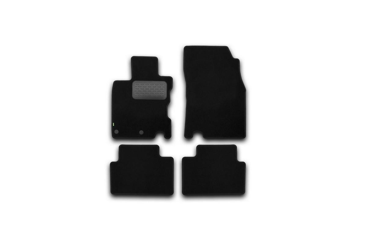 Набор автомобильных ковриков Klever для Nissan Qashqai 2014-, кроссовер, в салон, 4 шт. KVR02364301210khKVR02364301210khНабор автомобильных ковриков Klever, изготовленный из текстиля, состоит из 4 ковриков, которые учитывают все особенности каждой модели автомобиля и полностью повторяют контуры пола. Текстильные автомобильные коврики для салона произведены из высококачественного материала, который держит форму, прочный и не пачкает обувь. Коврики в салон не только улучшат внешний вид салона вашего автомобиля, но и надежно уберегут его от пыли, грязи и сырости, а значит, защитят кузов от коррозии. Текстильные коврики для автомобиля мягкие и приятные, а их основа из вспененного полиуретана не пропускает влагу. Ковры для автомобилей надежно крепятся на полу и не скользят, что очень важно во время движения. Чистятся коврики очень просто: как при помощи автомобильного пылесоса, так и различными моющими средствами. Набор подходит для Nissan Qashqai кроссовер с 2014 года выпуска.