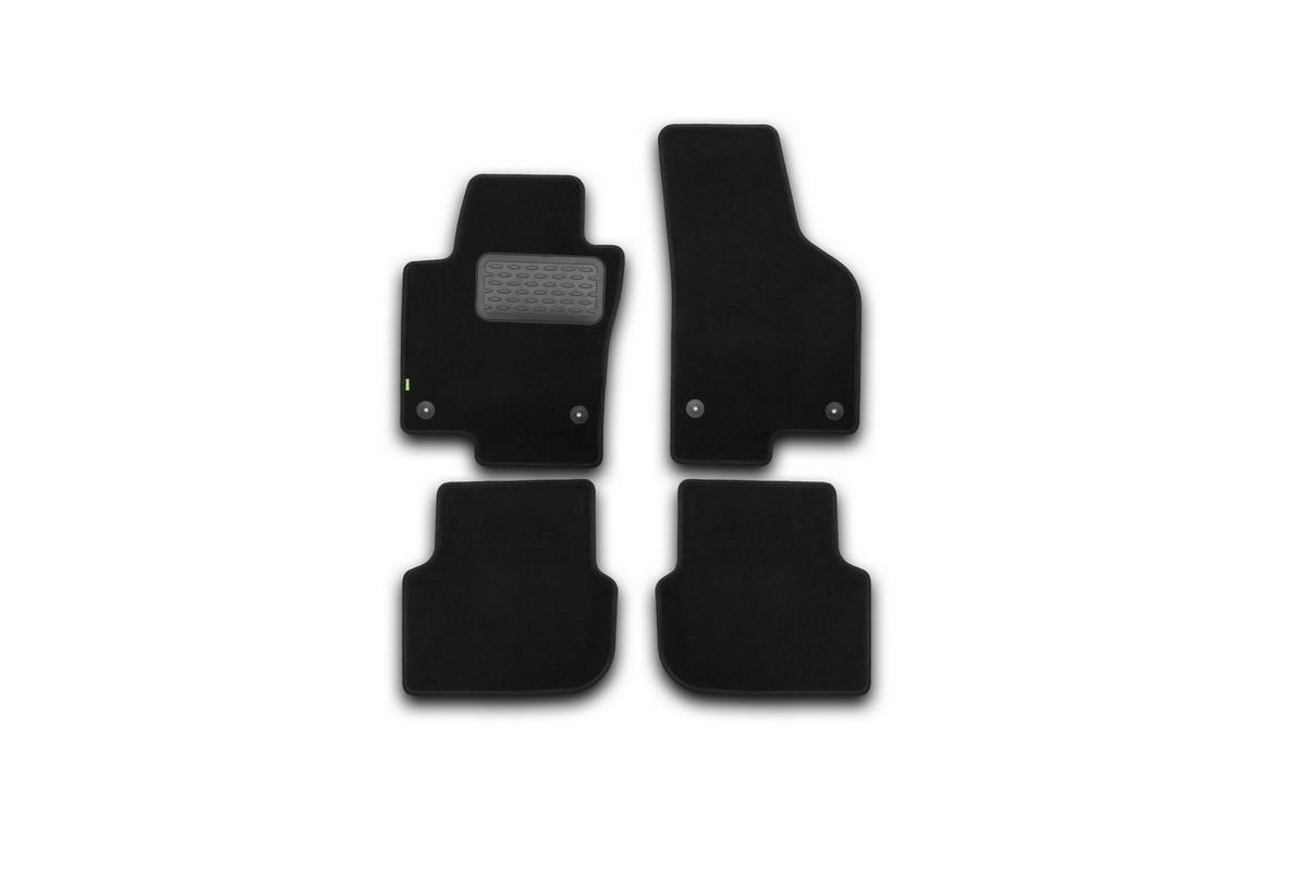 Набор автомобильных ковриков Klever для Volkswagen Jetta 2011-, седан, в салон, 4 шт. KVR02513801210khKVR02513801210khНабор автомобильных ковриков Klever, изготовленный из текстиля, состоит из 4 ковриков, которые учитывают все особенности каждой модели автомобиля и полностью повторяют контуры пола. Текстильные автомобильные коврики для салона произведены из высококачественного материала, который держит форму, прочный и не пачкает обувь. Коврики в салон не только улучшат внешний вид салона вашего автомобиля, но и надежно уберегут его от пыли, грязи и сырости, а значит, защитят кузов от коррозии. Текстильные коврики для автомобиля мягкие и приятные, а их основа из вспененного полиуретана не пропускает влагу. Ковры для автомобилей надежно крепятся на полу и не скользят, что очень важно во время движения. Чистятся коврики очень просто: как при помощи автомобильного пылесоса, так и различными моющими средствами. Набор подходит для Volkswagen Jetta седан с 2011 года выпуска.