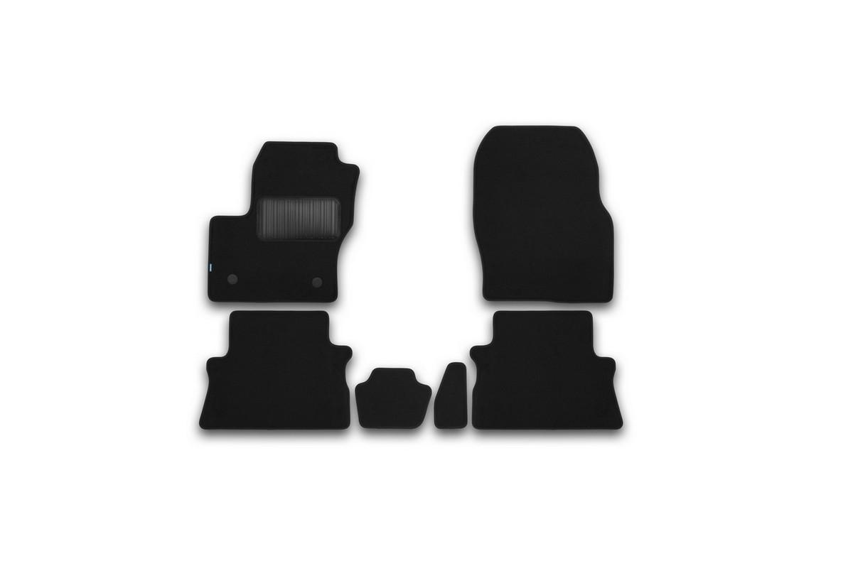 Набор автомобильных ковриков Klever для Ford Kuga 2013-, кроссовер, в салон, 6 шт. KVR03164122110khKVR03164122110khНабор автомобильных ковриков Klever, изготовленный из текстиля, состоит из 6 ковриков, которые учитывают все особенности каждой модели автомобиля и полностью повторяют контуры пола. Текстильные автомобильные коврики для салона произведены из высококачественного материала, который держит форму, прочный и не пачкает обувь. Коврики в салон не только улучшат внешний вид салона вашего автомобиля, но и надежно уберегут его от пыли, грязи и сырости, а значит, защитят кузов от коррозии. Текстильные коврики для автомобиля мягкие и приятные, а их основа из вспененного полиуретана не пропускает влагу. Ковры для автомобилей надежно крепятся на полу и не скользят, что очень важно во время движения. Чистятся коврики очень просто: как при помощи автомобильного пылесоса, так и различными моющими средствами. Набор подходит для Ford Kuga кроссовер с 2013 года выпуска.