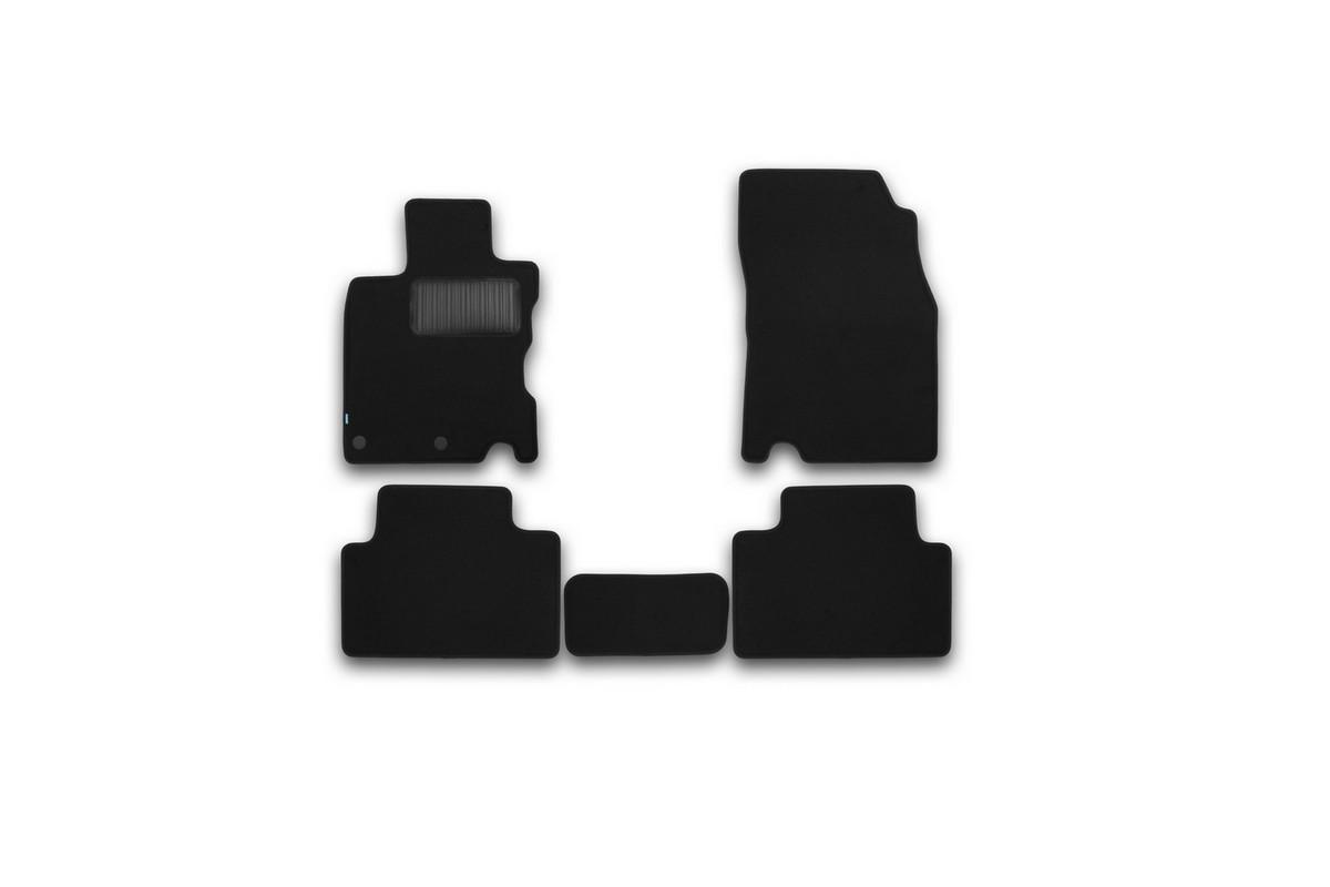 Набор автомобильных ковриков Klever для Nissan Qashqai 2014-, кроссовер, в салон, 5 шт. KVR03364322110khKVR03364322110khНабор автомобильных ковриков Klever, изготовленный из текстиля, состоит из 5 ковриков, которые учитывают все особенности каждой модели автомобиля и полностью повторяют контуры пола. Текстильные автомобильные коврики для салона произведены из высококачественного материала, который держит форму, прочный и не пачкает обувь. Коврики в салон не только улучшат внешний вид салона вашего автомобиля, но и надежно уберегут его от пыли, грязи и сырости, а значит, защитят кузов от коррозии. Текстильные коврики для автомобиля мягкие и приятные, а их основа из вспененного полиуретана не пропускает влагу. Ковры для автомобилей надежно крепятся на полу и не скользят, что очень важно во время движения. Чистятся коврики очень просто: как при помощи автомобильного пылесоса, так и различными моющими средствами. Набор подходит для Nissan Qashqai кроссовер с 2014 года выпуска, европейской сборки.