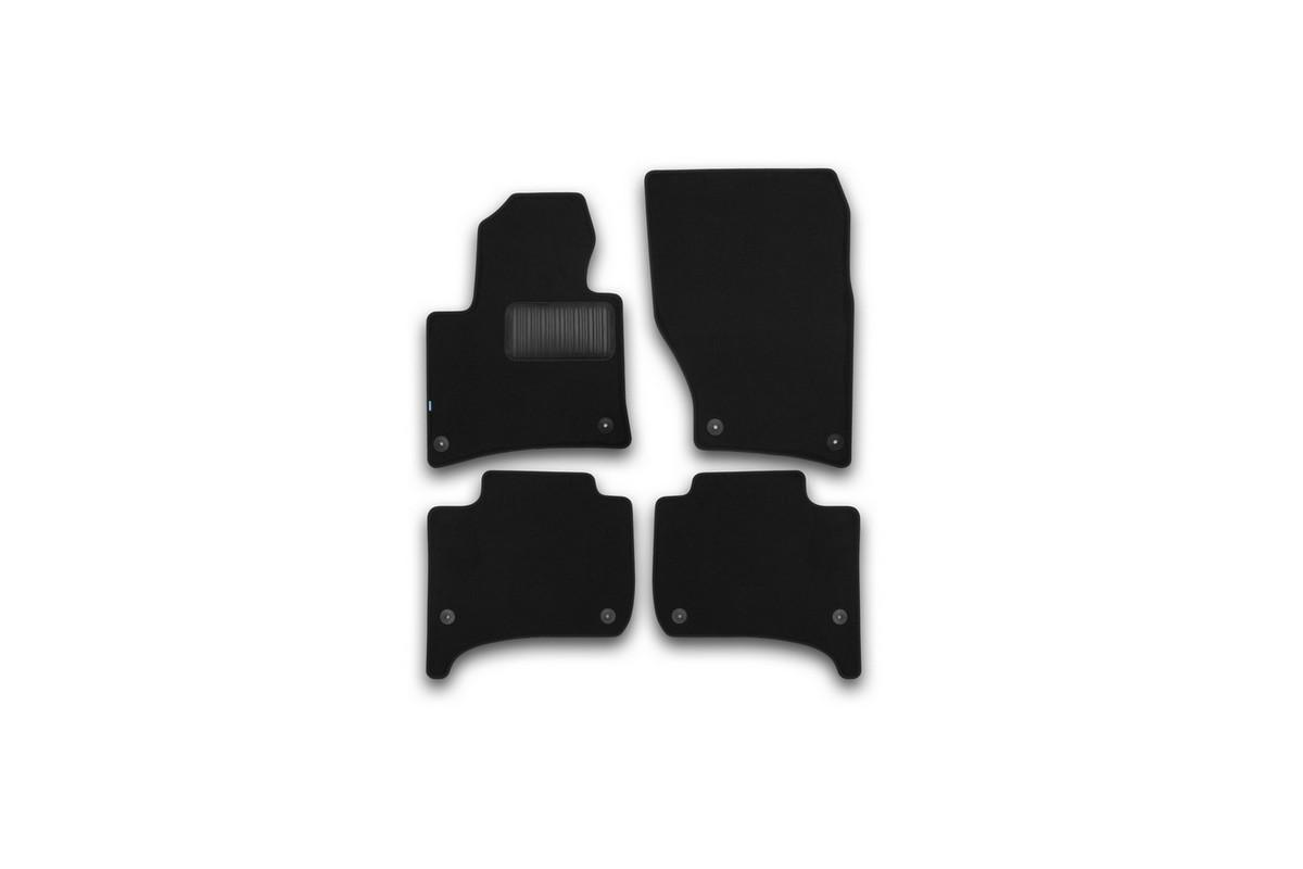Набор автомобильных ковриков Klever для Volkswagen Touareg 2010-, внедорожник, в салон, 4 штKVR03513622110khНабор автомобильных ковриков Klever, изготовленный из текстиля, состоит из 4 ковриков, которые учитывают все особенности каждой модели автомобиля и полностью повторяют контуры пола. Текстильные автомобильные коврики для салона произведены из высококачественного материала, который держит форму, прочный и не пачкает обувь. Коврики в салон не только улучшат внешний вид салона вашего автомобиля, но и надежно уберегут его от пыли, грязи и сырости, а значит, защитят кузов от коррозии. Текстильные коврики для автомобиля мягкие и приятные, а их основа из вспененного полиуретана не пропускает влагу. Ковры для автомобилей надежно крепятся на полу и не скользят, что очень важно во время движения. Чистятся коврики очень просто: как при помощи автомобильного пылесоса, так и различными моющими средствами. Набор подходит для Volkswagen Touareg внедорожник с 2010 года выпуска.