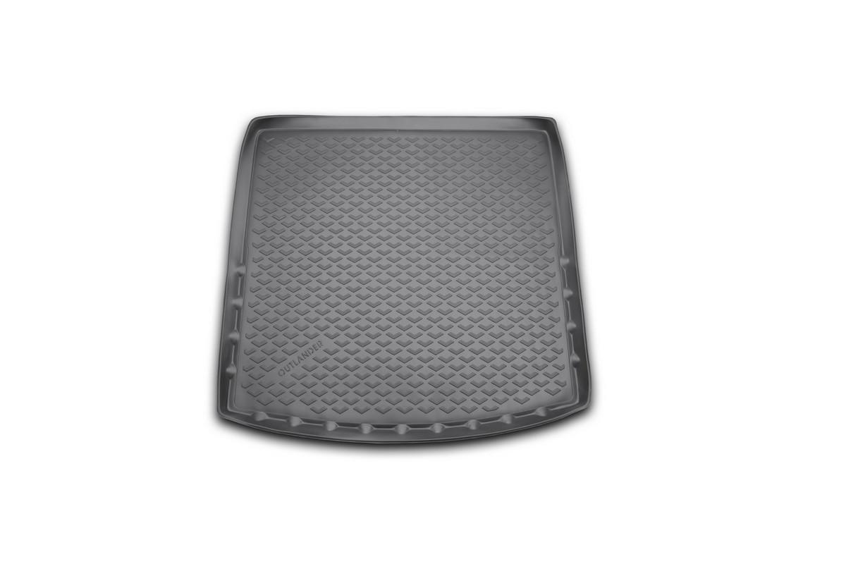 Коврик автомобильный Novline-Autofamily для Mitsubishi Outlander кроссовер 2012-2014, 2014-, с органайзером, в багажникBI.001.042Автомобильный коврик Novline-Autofamily, изготовленный из полиуретана, позволит вам без особых усилий содержать в чистоте багажный отсек вашего авто и при этом перевозить в нем абсолютно любые грузы. Этот модельный коврик идеально подойдет по размерам багажнику вашего автомобиля. Такой автомобильный коврик гарантированно защитит багажник от грязи, мусора и пыли, которые постоянно скапливаются в этом отсеке. А кроме того, поддон не пропускает влагу. Все это надолго убережет важную часть кузова от износа. Коврик в багажнике сильно упростит для вас уборку. Согласитесь, гораздо проще достать и почистить один коврик, нежели весь багажный отсек. Тем более, что поддон достаточно просто вынимается и вставляется обратно. Мыть коврик для багажника из полиуретана можно любыми чистящими средствами или просто водой. При этом много времени у вас уборка не отнимет, ведь полиуретан устойчив к загрязнениям. Если вам приходится перевозить в багажнике тяжелые грузы,...