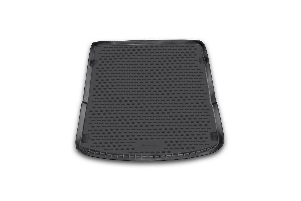 Коврик автомобильный Novline-Autofamily для Audi Q7 кроссовер 2006-, в багажникNLC.04.16.B12Автомобильный коврик Novline-Autofamily, изготовленный из полиуретана, позволит вам без особых усилий содержать в чистоте багажный отсек вашего авто и при этом перевозить в нем абсолютно любые грузы. Этот модельный коврик идеально подойдет по размерам багажнику вашего автомобиля. Такой автомобильный коврик гарантированно защитит багажник от грязи, мусора и пыли, которые постоянно скапливаются в этом отсеке. А кроме того, поддон не пропускает влагу. Все это надолго убережет важную часть кузова от износа. Коврик в багажнике сильно упростит для вас уборку. Согласитесь, гораздо проще достать и почистить один коврик, нежели весь багажный отсек. Тем более, что поддон достаточно просто вынимается и вставляется обратно. Мыть коврик для багажника из полиуретана можно любыми чистящими средствами или просто водой. При этом много времени у вас уборка не отнимет, ведь полиуретан устойчив к загрязнениям. Если вам приходится перевозить в багажнике тяжелые грузы,...