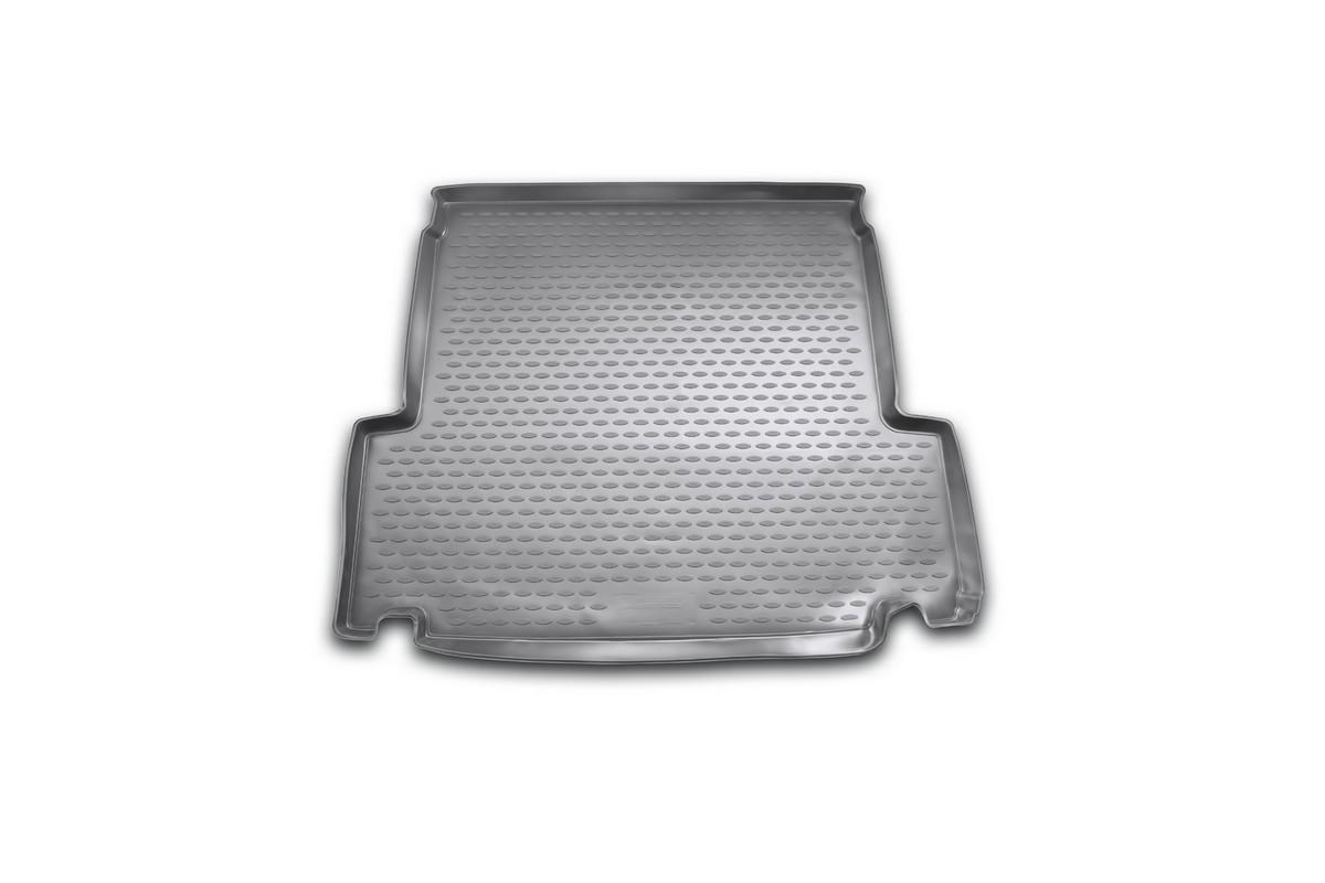 Коврик автомобильный Novline-Autofamily для BMW 3-Series Touring E91 2006-, в багажникNLC.05.06.B12Автомобильный коврик Novline-Autofamily, изготовленный из полиуретана, позволит вам без особых усилий содержать в чистоте багажный отсек вашего авто и при этом перевозить в нем абсолютно любые грузы. Этот модельный коврик идеально подойдет по размерам багажнику вашего автомобиля. Такой автомобильный коврик гарантированно защитит багажник от грязи, мусора и пыли, которые постоянно скапливаются в этом отсеке. А кроме того, поддон не пропускает влагу. Все это надолго убережет важную часть кузова от износа. Коврик в багажнике сильно упростит для вас уборку. Согласитесь, гораздо проще достать и почистить один коврик, нежели весь багажный отсек. Тем более, что поддон достаточно просто вынимается и вставляется обратно. Мыть коврик для багажника из полиуретана можно любыми чистящими средствами или просто водой. При этом много времени у вас уборка не отнимет, ведь полиуретан устойчив к загрязнениям. Если вам приходится перевозить в багажнике тяжелые грузы,...