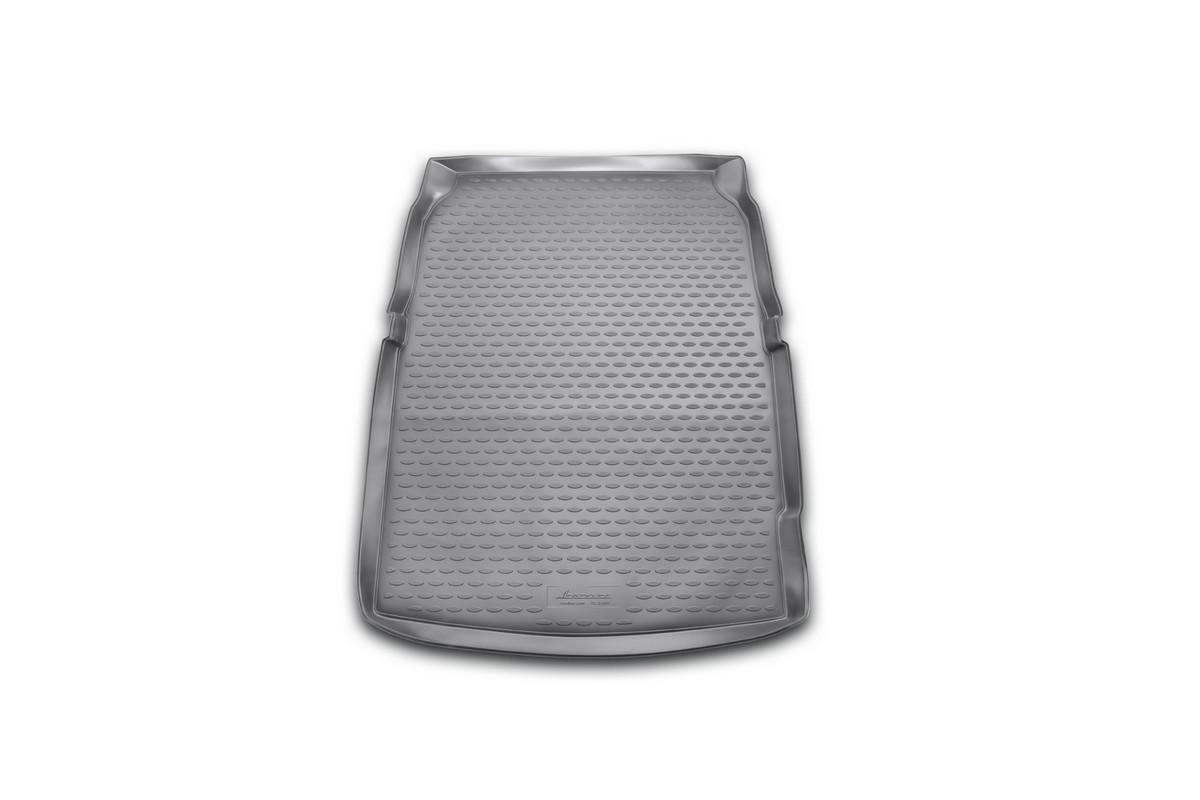 Коврик в багажник автомобиля Novline-Autofamily для BMW 5 (f10), 2010 - 2013, 2013 -NLC.05.32.B10Автомобильный коврик в багажник позволит вам без особых усилий содержать в чистоте багажный отсек вашего авто и при этом перевозить в нем абсолютно любые грузы. Такой автомобильный коврик гарантированно защитит багажник вашего автомобиля от грязи, мусора и пыли, которые постоянно скапливаются в этом отсеке. А кроме того, поддон не пропускает влагу. Все это надолго убережет важную часть кузова от износа. Мыть коврик для багажника из полиуретана можно любыми чистящими средствами или просто водой. При этом много времени уборка не отнимет, ведь полиуретан устойчив к загрязнениям. Если вам приходится перевозить в багажнике тяжелые грузы, за сохранность автоковрика можете не беспокоиться. Он сделан из прочного материала, который не деформируется при механических нагрузках и устойчив даже к экстремальным температурам. А кроме того, коврик для багажника надежно фиксируется и не сдвигается во время поездки - это дополнительная гарантия сохранности вашего багажа. ...