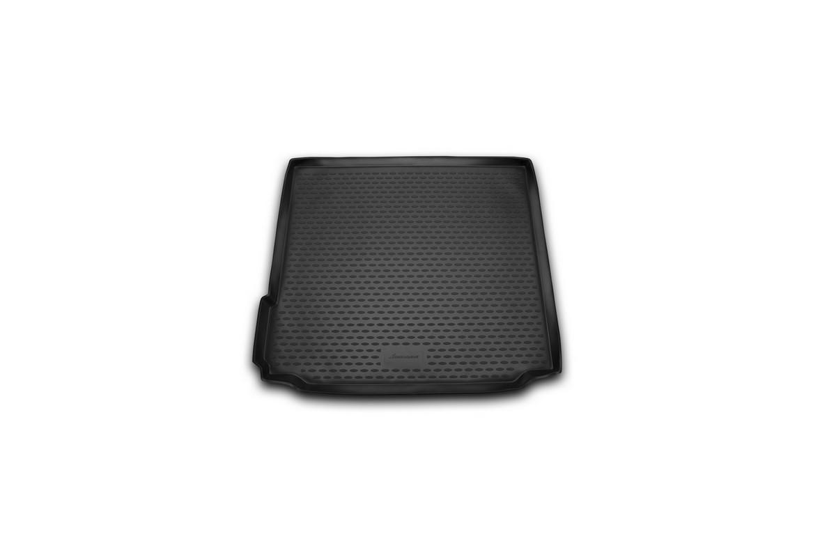 Коврик автомобильный Novline-Autofamily для BMW X5 внедорожник 2013-, в багажникNLC.05.38.B13Автомобильный коврик Novline-Autofamily, изготовленный из полиуретана, позволит вам без особых усилий содержать в чистоте багажный отсек вашего авто и при этом перевозить в нем абсолютно любые грузы. Этот модельный коврик идеально подойдет по размерам багажнику вашего автомобиля. Такой автомобильный коврик гарантированно защитит багажник от грязи, мусора и пыли, которые постоянно скапливаются в этом отсеке. А кроме того, поддон не пропускает влагу. Все это надолго убережет важную часть кузова от износа. Коврик в багажнике сильно упростит для вас уборку. Согласитесь, гораздо проще достать и почистить один коврик, нежели весь багажный отсек. Тем более, что поддон достаточно просто вынимается и вставляется обратно. Мыть коврик для багажника из полиуретана можно любыми чистящими средствами или просто водой. При этом много времени у вас уборка не отнимет, ведь полиуретан устойчив к загрязнениям. Если вам приходится перевозить в багажнике тяжелые грузы,...