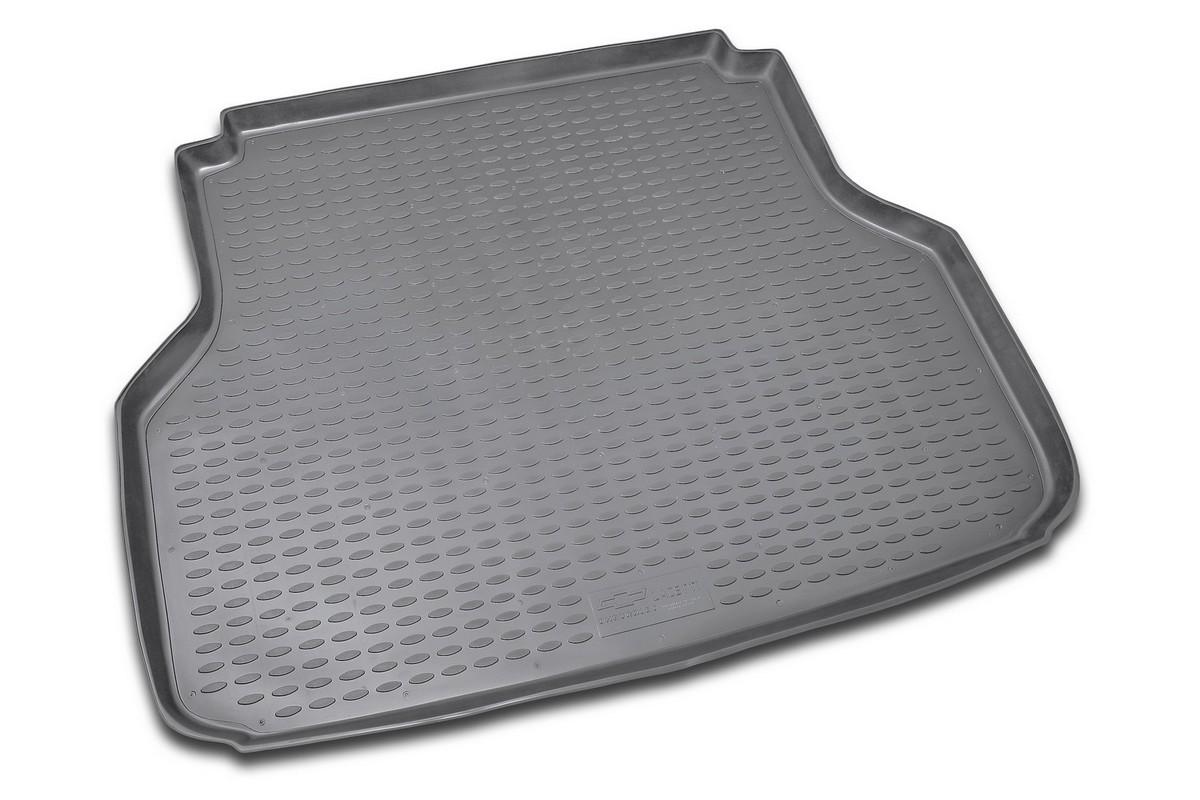 Коврик в багажник CHEVROLET Lacetti 2004->, сед. (полиуретан). NLC.08.05.B10NLC.08.05.B10Автомобильный коврик в багажник позволит вам без особых усилий содержать в чистоте багажный отсек вашего авто и при этом перевозить в нем абсолютно любые грузы. Этот модельный коврик идеально подойдет по размерам багажнику вашего авто. Такой автомобильный коврик гарантированно защитит багажник вашего автомобиля от грязи, мусора и пыли, которые постоянно скапливаются в этом отсеке. А кроме того, поддон не пропускает влагу. Все это надолго убережет важную часть кузова от износа. Коврик в багажнике сильно упростит для вас уборку. Согласитесь, гораздо проще достать и почистить один коврик, нежели весь багажный отсек. Тем более, что поддон достаточно просто вынимается и вставляется обратно. Мыть коврик для багажника из полиуретана можно любыми чистящими средствами или просто водой. При этом много времени у вас уборка не отнимет, ведь полиуретан устойчив к загрязнениям. Если вам приходится перевозить в багажнике тяжелые грузы, за сохранность автоковрика можете не беспокоиться. Он сделан...