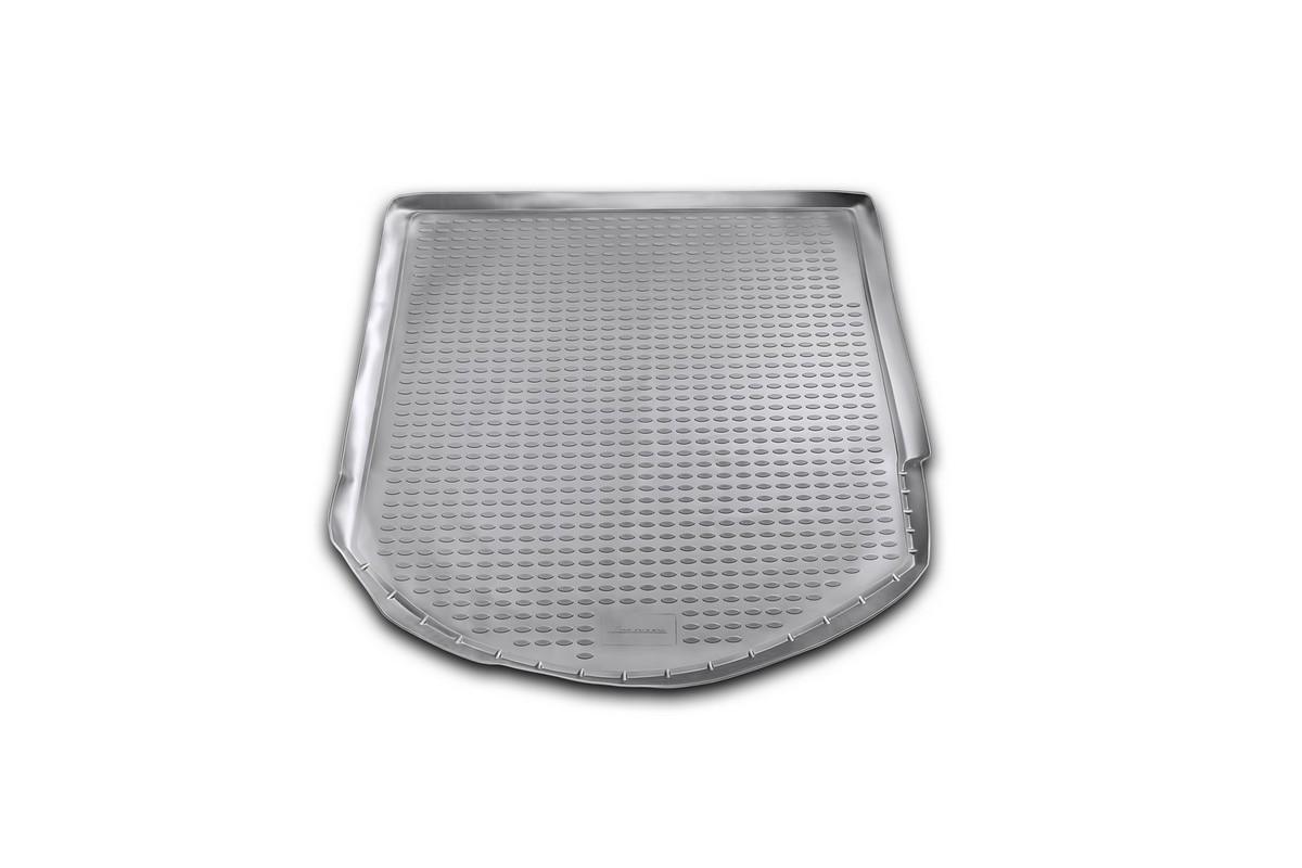 Коврик автомобильный Novline-Autofamily для Ford Mondeo универсал 2007-, в багажникNLC.16.18.B12Автомобильный коврик Novline-Autofamily, изготовленный из полиуретана, позволит вам без особых усилий содержать в чистоте багажный отсек вашего авто и при этом перевозить в нем абсолютно любые грузы. Этот модельный коврик идеально подойдет по размерам багажнику вашего автомобиля. Такой автомобильный коврик гарантированно защитит багажник от грязи, мусора и пыли, которые постоянно скапливаются в этом отсеке. А кроме того, поддон не пропускает влагу. Все это надолго убережет важную часть кузова от износа. Коврик в багажнике сильно упростит для вас уборку. Согласитесь, гораздо проще достать и почистить один коврик, нежели весь багажный отсек. Тем более, что поддон достаточно просто вынимается и вставляется обратно. Мыть коврик для багажника из полиуретана можно любыми чистящими средствами или просто водой. При этом много времени у вас уборка не отнимет, ведь полиуретан устойчив к загрязнениям. Если вам приходится перевозить в багажнике тяжелые грузы,...