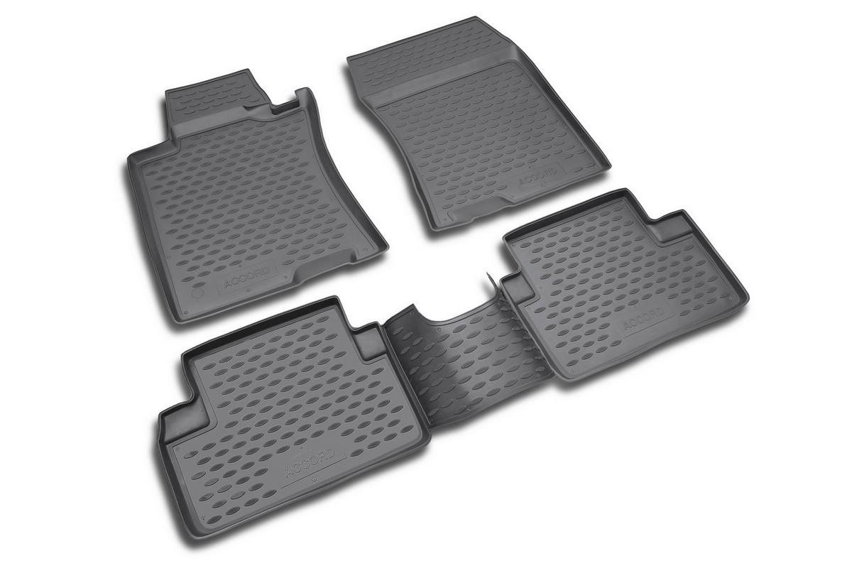 Набор автомобильных ковриков Novline-Autofamily для Honda Accord 2003-2007, в салон, 4 штNLC.18.01.210Набор автомобильных ковриков Novline-Autofamily, изготовленный из полиуретана, состоит из 4 ковриков, которые учитывают все особенности каждой модели автомобиля и полностью повторяют контуры пола. Полиуретановые автомобильные коврики для салона произведены из высококачественного материала, который держит форму, прочный и не пачкает обувь. Коврики в салон не только улучшат внешний вид салона вашего автомобиля, но и надежно уберегут его от пыли, грязи и сырости, а значит, защитят кузов от коррозии. Полиуретановые коврики для автомобиля гладкие, приятные и не пропускают влагу. Ковры для автомобилей надежно крепятся на полу и не скользят, что очень важно во время движения. Чистятся коврики очень просто: как при помощи автомобильного пылесоса, так и различными моющими средствами. Набор подходит для Honda Accord 2003-2007 годов выпуска.