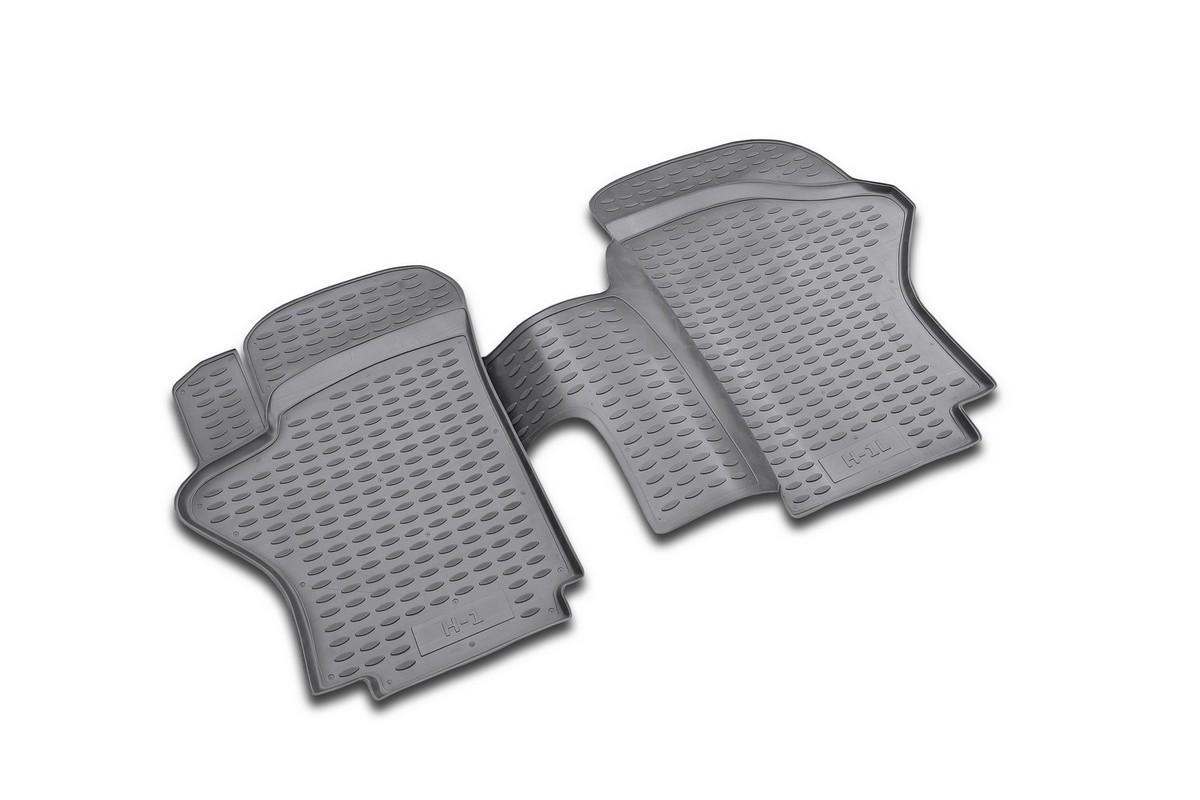 Набор автомобильных ковриков Novline-Autofamily для Hyundai H1 long 1997-2007, в салон, 2 штNLC.20.23.210Набор автомобильных ковриков Novline-Autofamily, изготовленный из полиуретана, состоит из 2 ковриков, которые учитывают все особенности каждой модели автомобиля и полностью повторяют контуры пола. Полиуретановые автомобильные коврики для салона произведены из высококачественного материала, который держит форму, прочный и не пачкает обувь. Коврики в салон не только улучшат внешний вид салона вашего автомобиля, но и надежно уберегут его от пыли, грязи и сырости, а значит, защитят кузов от коррозии. Полиуретановые коврики для автомобиля гладкие, приятные и не пропускают влагу. Ковры для автомобилей надежно крепятся на полу и не скользят, что очень важно во время движения. Чистятся коврики очень просто: как при помощи автомобильного пылесоса, так и различными моющими средствами. Набор подходит для Hyundai H1 long 1997-2007 годов выпуска.
