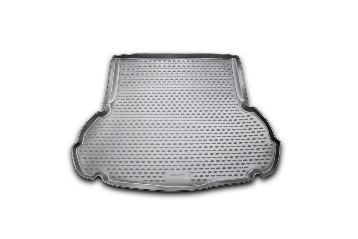 Коврик автомобильный Novline-Autofamily для Hyundai Elantra MD седан 2011-, в багажникNLC.20.46.B10Автомобильный коврик Novline-Autofamily, изготовленный из полиуретана, позволит вам без особых усилий содержать в чистоте багажный отсек вашего авто и при этом перевозить в нем абсолютно любые грузы. Этот модельный коврик идеально подойдет по размерам багажнику вашего автомобиля. Такой автомобильный коврик гарантированно защитит багажник от грязи, мусора и пыли, которые постоянно скапливаются в этом отсеке. А кроме того, поддон не пропускает влагу. Все это надолго убережет важную часть кузова от износа. Коврик в багажнике сильно упростит для вас уборку. Согласитесь, гораздо проще достать и почистить один коврик, нежели весь багажный отсек. Тем более, что поддон достаточно просто вынимается и вставляется обратно. Мыть коврик для багажника из полиуретана можно любыми чистящими средствами или просто водой. При этом много времени у вас уборка не отнимет, ведь полиуретан устойчив к загрязнениям. Если вам приходится перевозить в багажнике тяжелые грузы,...