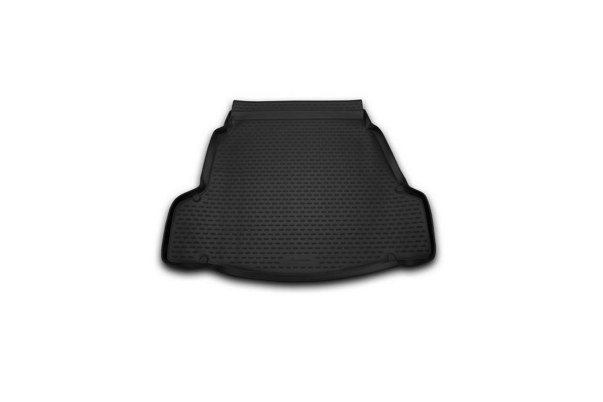 Коврик автомобильный Novline-Autofamily для Hyundai i40 седан 2012-, в багажник. NLC.20.50.B10NLC.20.50.B10Автомобильный коврик Novline-Autofamily, изготовленный из полиуретана, позволит вам без особых усилий содержать в чистоте багажный отсек вашего авто и при этом перевозить в нем абсолютно любые грузы. Этот модельный коврик идеально подойдет по размерам багажнику вашего автомобиля. Такой автомобильный коврик гарантированно защитит багажник от грязи, мусора и пыли, которые постоянно скапливаются в этом отсеке. А кроме того, поддон не пропускает влагу. Все это надолго убережет важную часть кузова от износа. Коврик в багажнике сильно упростит для вас уборку. Согласитесь, гораздо проще достать и почистить один коврик, нежели весь багажный отсек. Тем более, что поддон достаточно просто вынимается и вставляется обратно. Мыть коврик для багажника из полиуретана можно любыми чистящими средствами или просто водой. При этом много времени у вас уборка не отнимет, ведь полиуретан устойчив к загрязнениям. Если вам приходится перевозить в багажнике тяжелые грузы,...