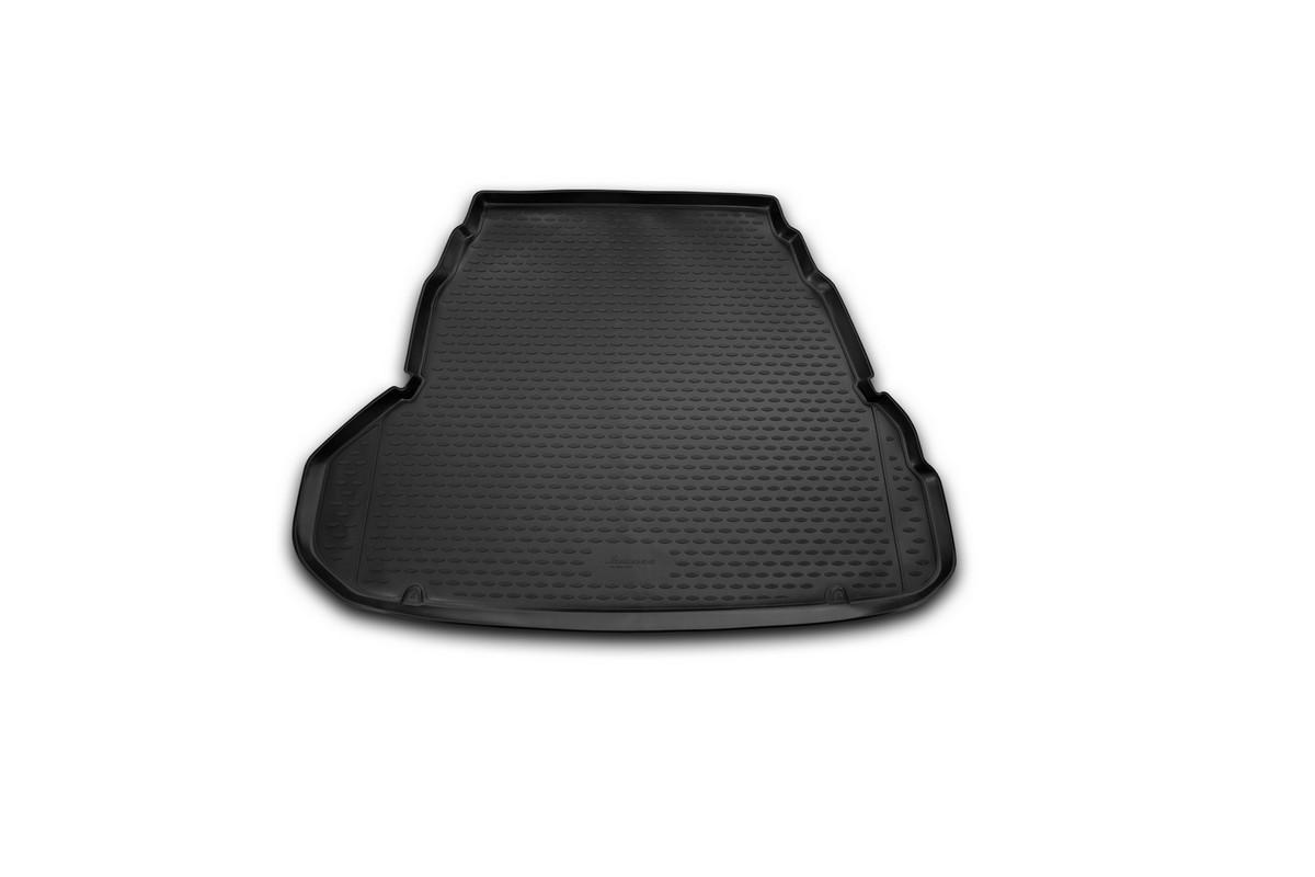 Коврик автомобильный Novline-Autofamily для Hyundai Grandeur седан 2012-, в багажникNLC.20.54.B10Автомобильный коврик Novline-Autofamily, изготовленный из полиуретана, позволит вам без особых усилий содержать в чистоте багажный отсек вашего авто и при этом перевозить в нем абсолютно любые грузы. Этот модельный коврик идеально подойдет по размерам багажнику вашего автомобиля. Такой автомобильный коврик гарантированно защитит багажник от грязи, мусора и пыли, которые постоянно скапливаются в этом отсеке. А кроме того, поддон не пропускает влагу. Все это надолго убережет важную часть кузова от износа. Коврик в багажнике сильно упростит для вас уборку. Согласитесь, гораздо проще достать и почистить один коврик, нежели весь багажный отсек. Тем более, что поддон достаточно просто вынимается и вставляется обратно. Мыть коврик для багажника из полиуретана можно любыми чистящими средствами или просто водой. При этом много времени у вас уборка не отнимет, ведь полиуретан устойчив к загрязнениям. Если вам приходится перевозить в багажнике тяжелые грузы,...