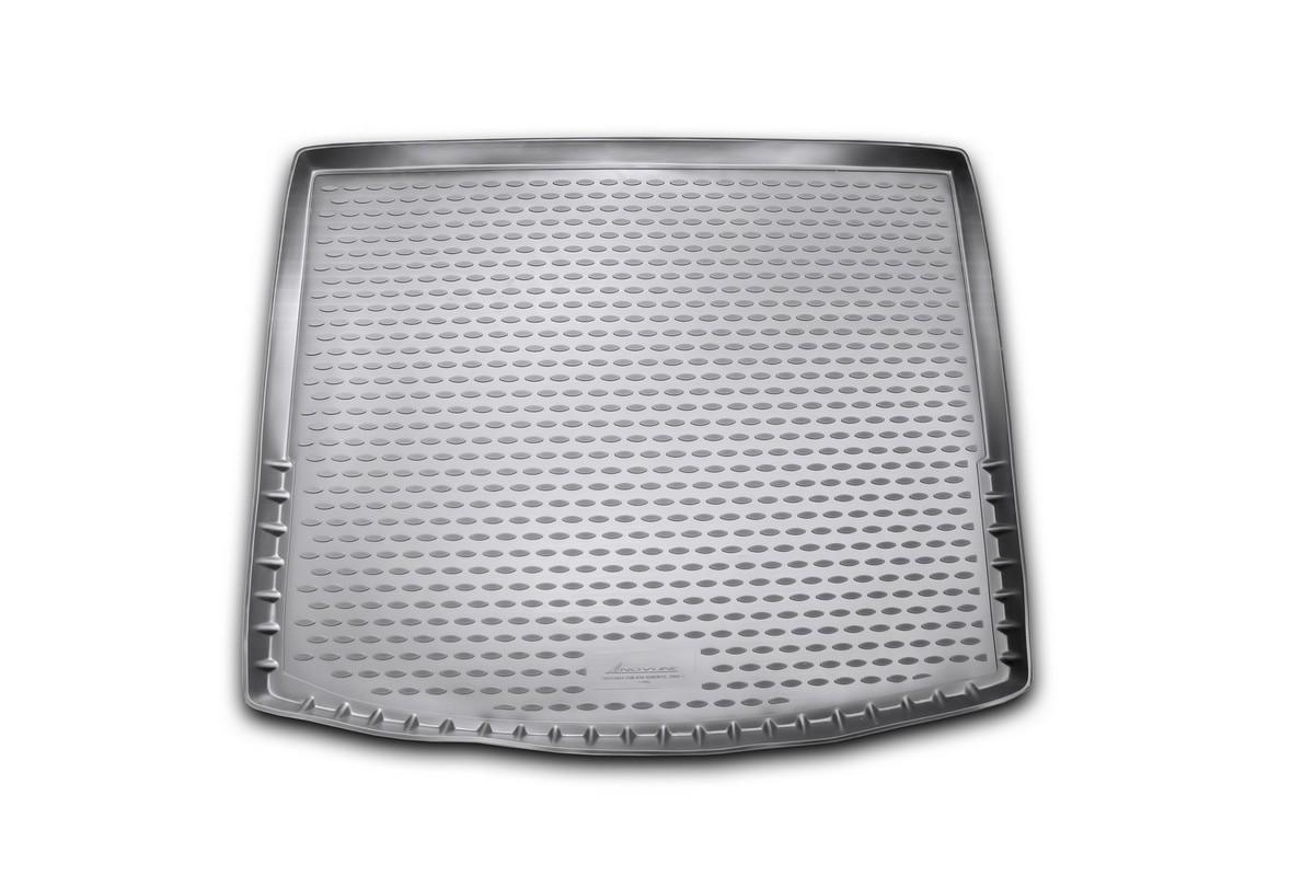 Коврик в багажник автомобиля Novline-Autofamily для Kia Sorento, 2009 - 2012NLC.25.35.G12Автомобильный коврик в багажник позволит вам без особых усилий содержать в чистоте багажный отсек вашего авто и при этом перевозить в нем абсолютно любые грузы. Такой автомобильный коврик гарантированно защитит багажник вашего автомобиля от грязи, мусора и пыли, которые постоянно скапливаются в этом отсеке. А кроме того, поддон не пропускает влагу. Все это надолго убережет важную часть кузова от износа. Мыть коврик для багажника из полиуретана можно любыми чистящими средствами или просто водой. При этом много времени уборка не отнимет, ведь полиуретан устойчив к загрязнениям. Если вам приходится перевозить в багажнике тяжелые грузы, за сохранность автоковрика можете не беспокоиться. Он сделан из прочного материала, который не деформируется при механических нагрузках и устойчив даже к экстремальным температурам. А кроме того, коврик для багажника надежно фиксируется и не сдвигается во время поездки - это дополнительная гарантия сохранности вашего багажа.